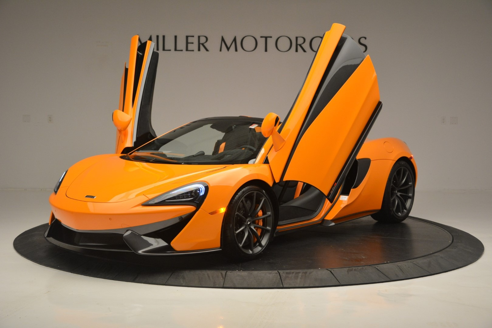 New 2019 McLaren 570S Spider Convertible For Sale In Greenwich, CT. Alfa Romeo of Greenwich, MC393 2728_p14