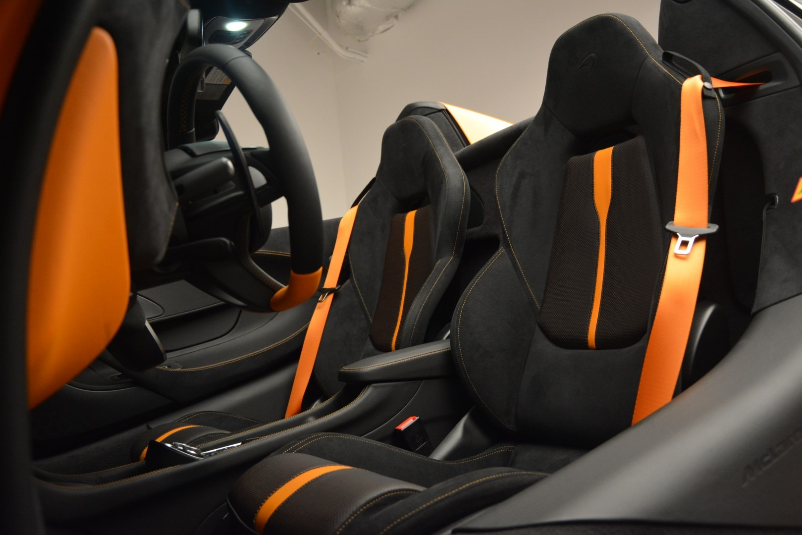 New 2019 McLaren 570S Spider Convertible For Sale In Greenwich, CT. Alfa Romeo of Greenwich, MC393 2728_p25