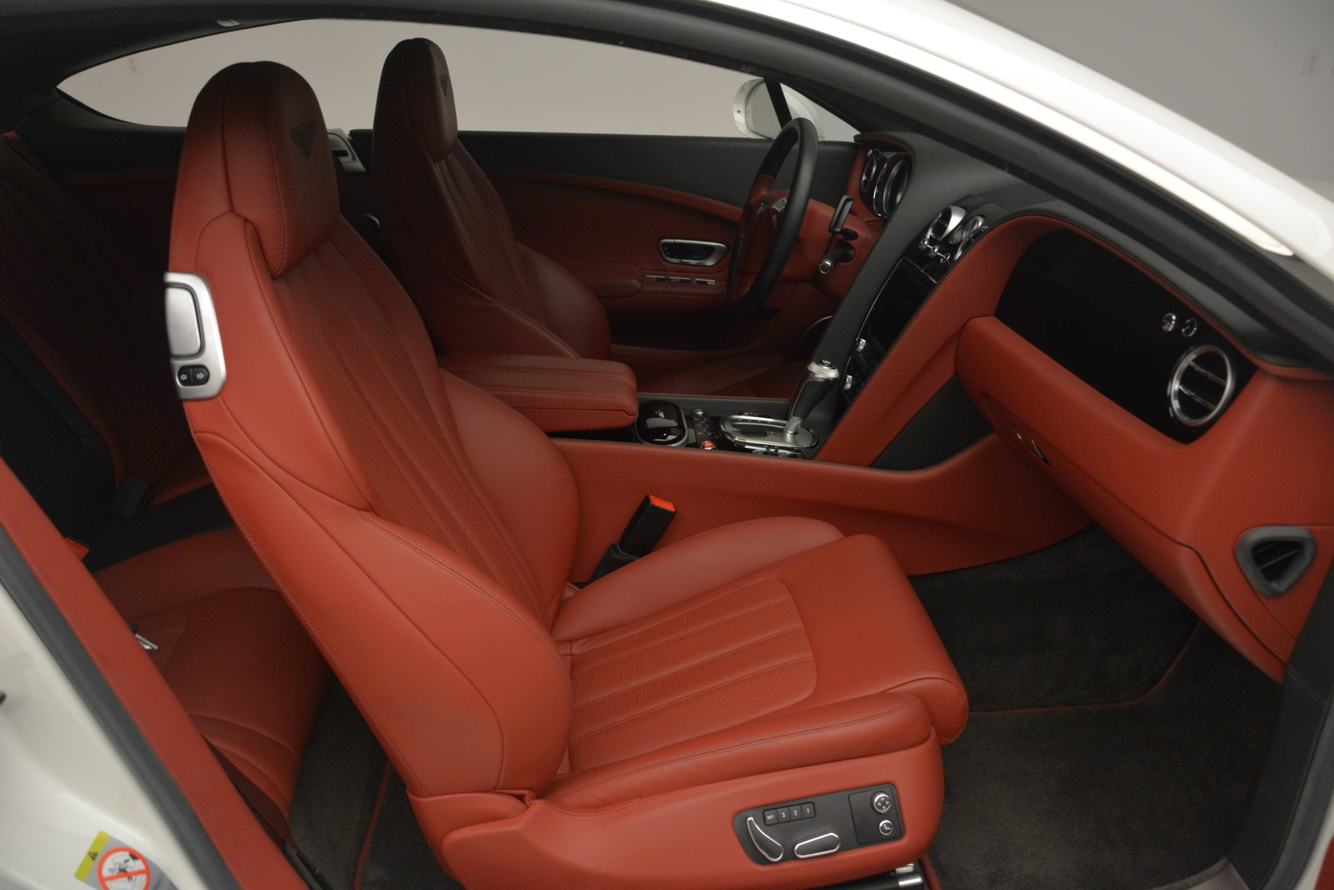 Used 2015 Bentley Continental GT V8 For Sale In Greenwich, CT. Alfa Romeo of Greenwich, 7444 2731_p25