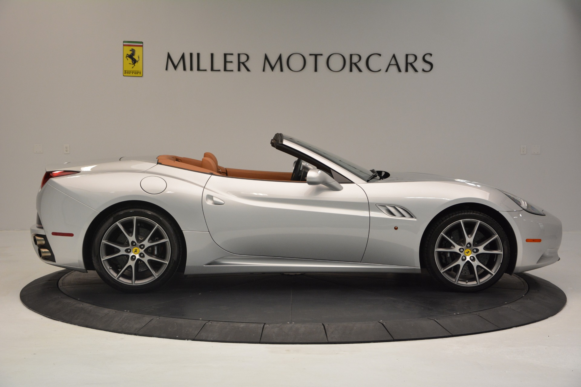 Used 2010 Ferrari California  For Sale In Greenwich, CT. Alfa Romeo of Greenwich, 4517 2732_p9