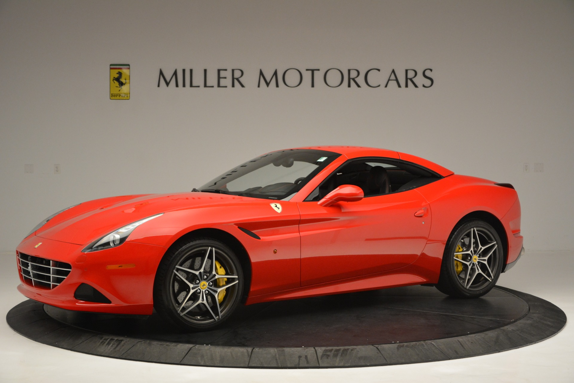 Used 2016 Ferrari California T  For Sale In Greenwich, CT. Alfa Romeo of Greenwich, F1927A 2734_p14