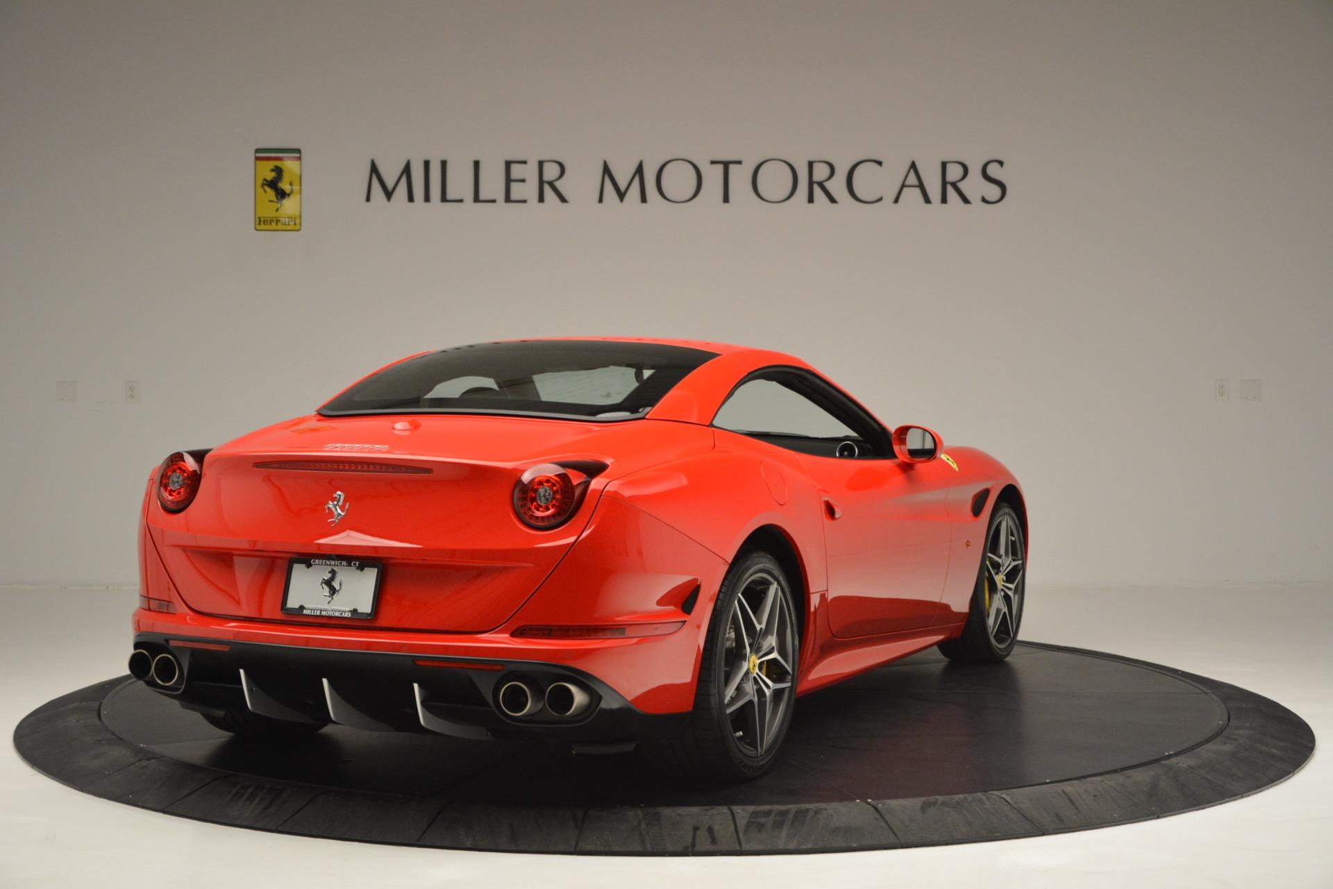 Used 2016 Ferrari California T  For Sale In Greenwich, CT. Alfa Romeo of Greenwich, F1927A 2734_p19