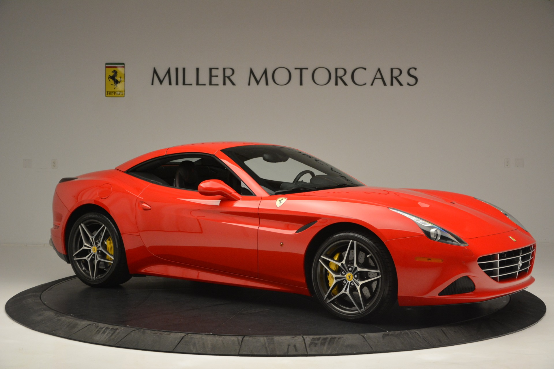 Used 2016 Ferrari California T  For Sale In Greenwich, CT. Alfa Romeo of Greenwich, F1927A 2734_p22