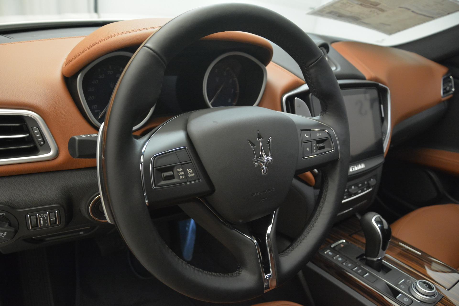 Used 2019 Maserati Ghibli S Q4 For Sale In Greenwich, CT. Alfa Romeo of Greenwich, M2212 2739_p13