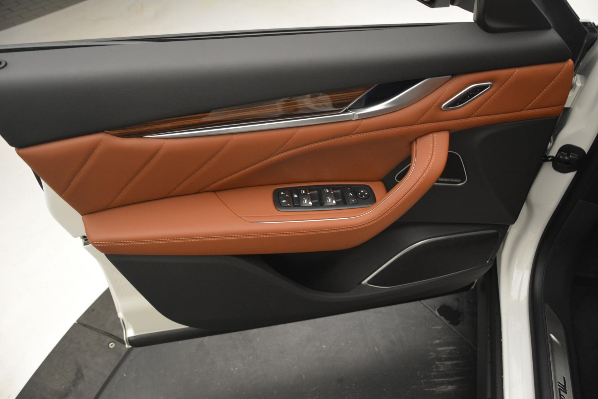 New 2019 Maserati Levante Q4 GranLusso For Sale In Greenwich, CT. Alfa Romeo of Greenwich, W645 2740_p16