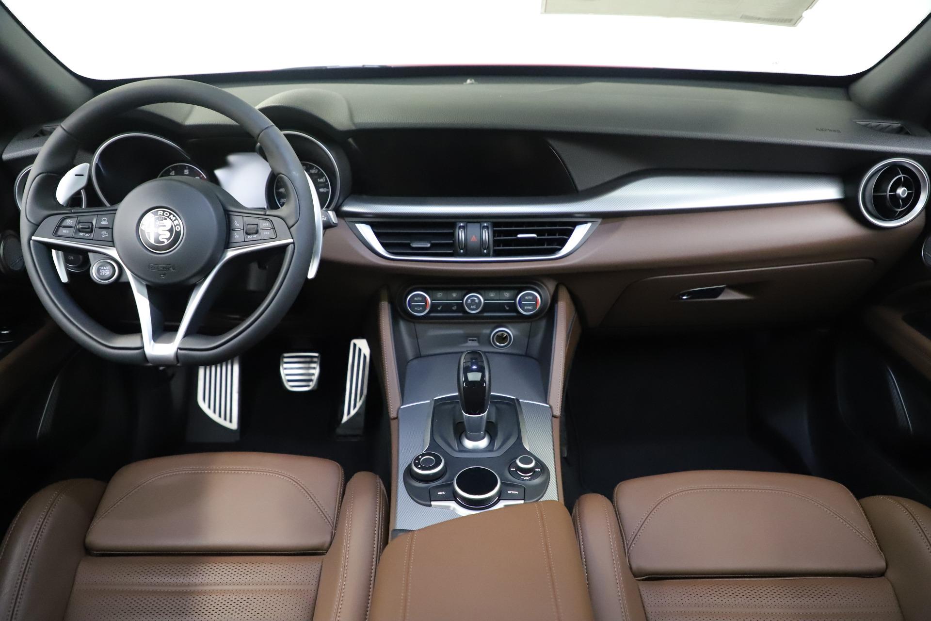 New 2019 Alfa Romeo Stelvio Ti Sport Q4 For Sale In Greenwich, CT. Alfa Romeo of Greenwich, LW266 2744_p16