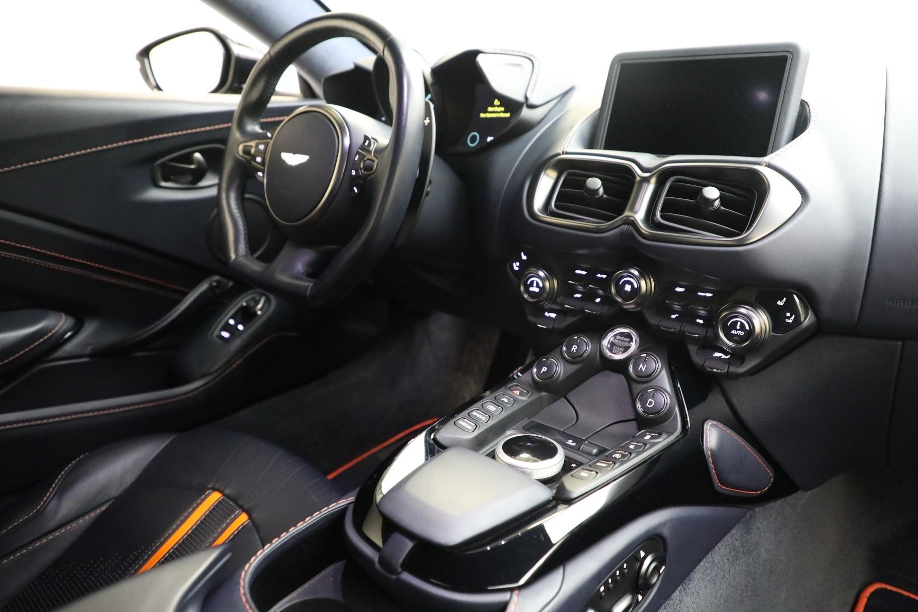 New 2019 Aston Martin Vantage  For Sale In Greenwich, CT. Alfa Romeo of Greenwich, A1321 2756_p18