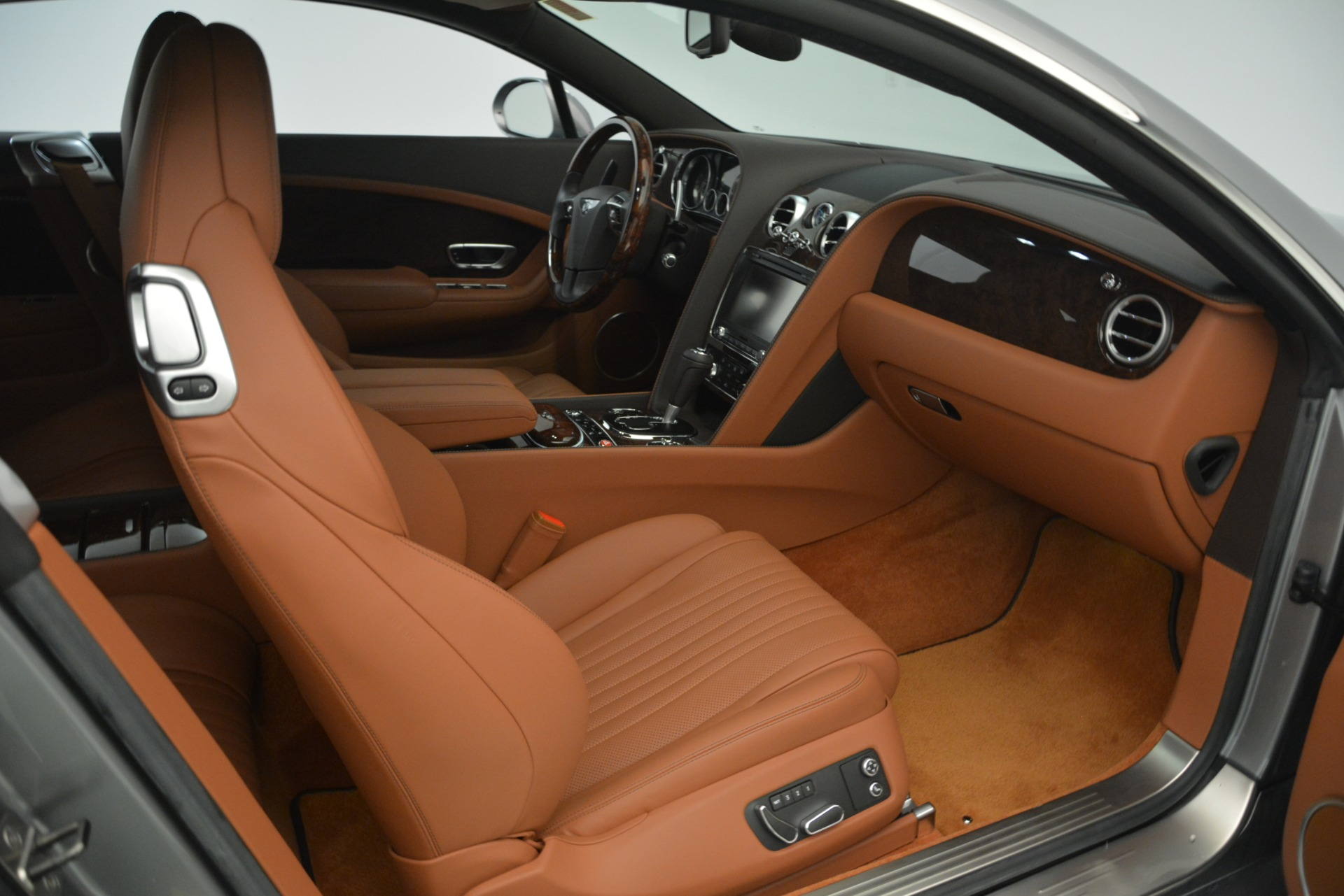 Used 2016 Bentley Continental GT W12 For Sale In Greenwich, CT. Alfa Romeo of Greenwich, 7428 2757_p28