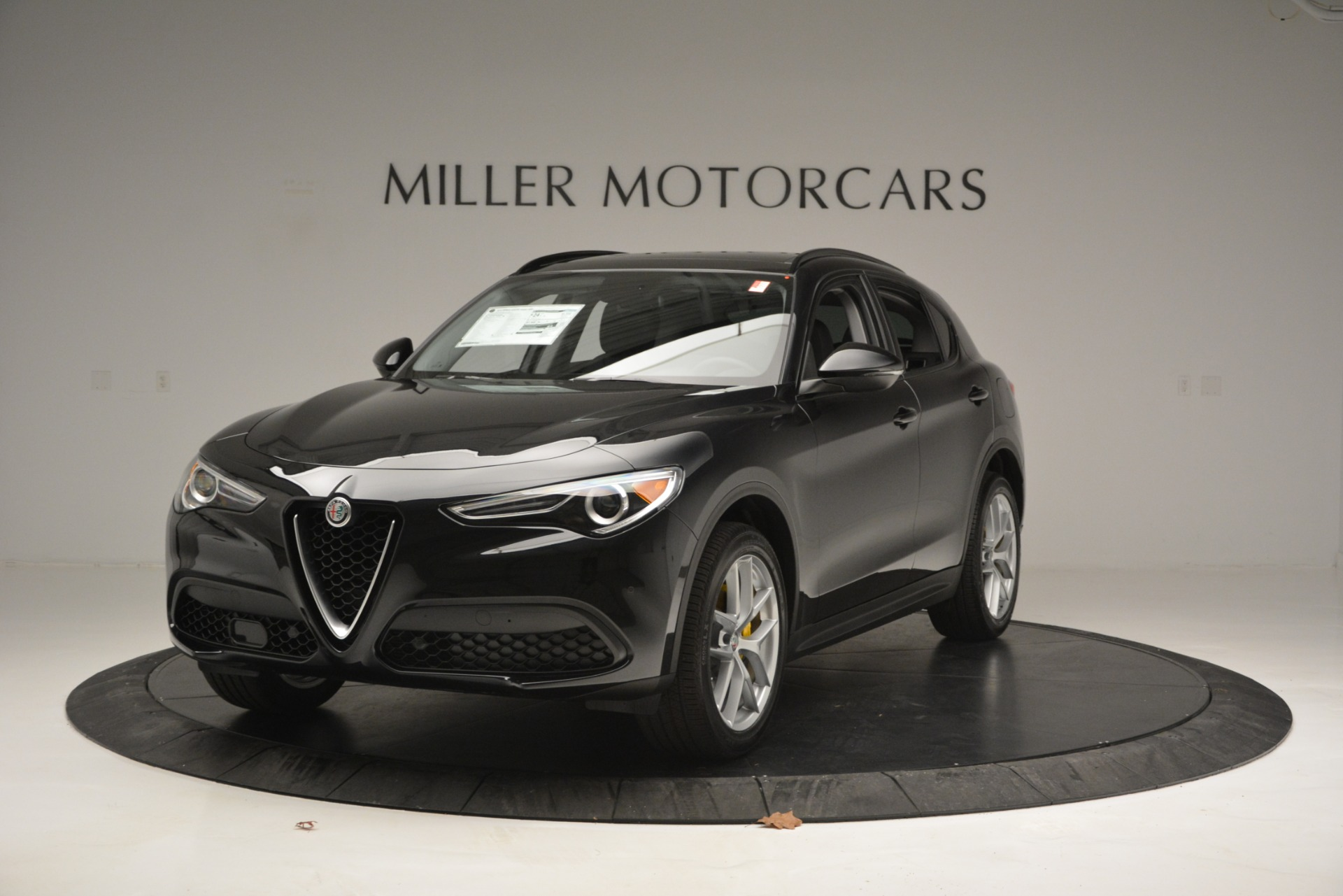 New 2019 Alfa Romeo Stelvio Sport Q4 For Sale In Greenwich, CT. Alfa Romeo of Greenwich, L515 2760_main