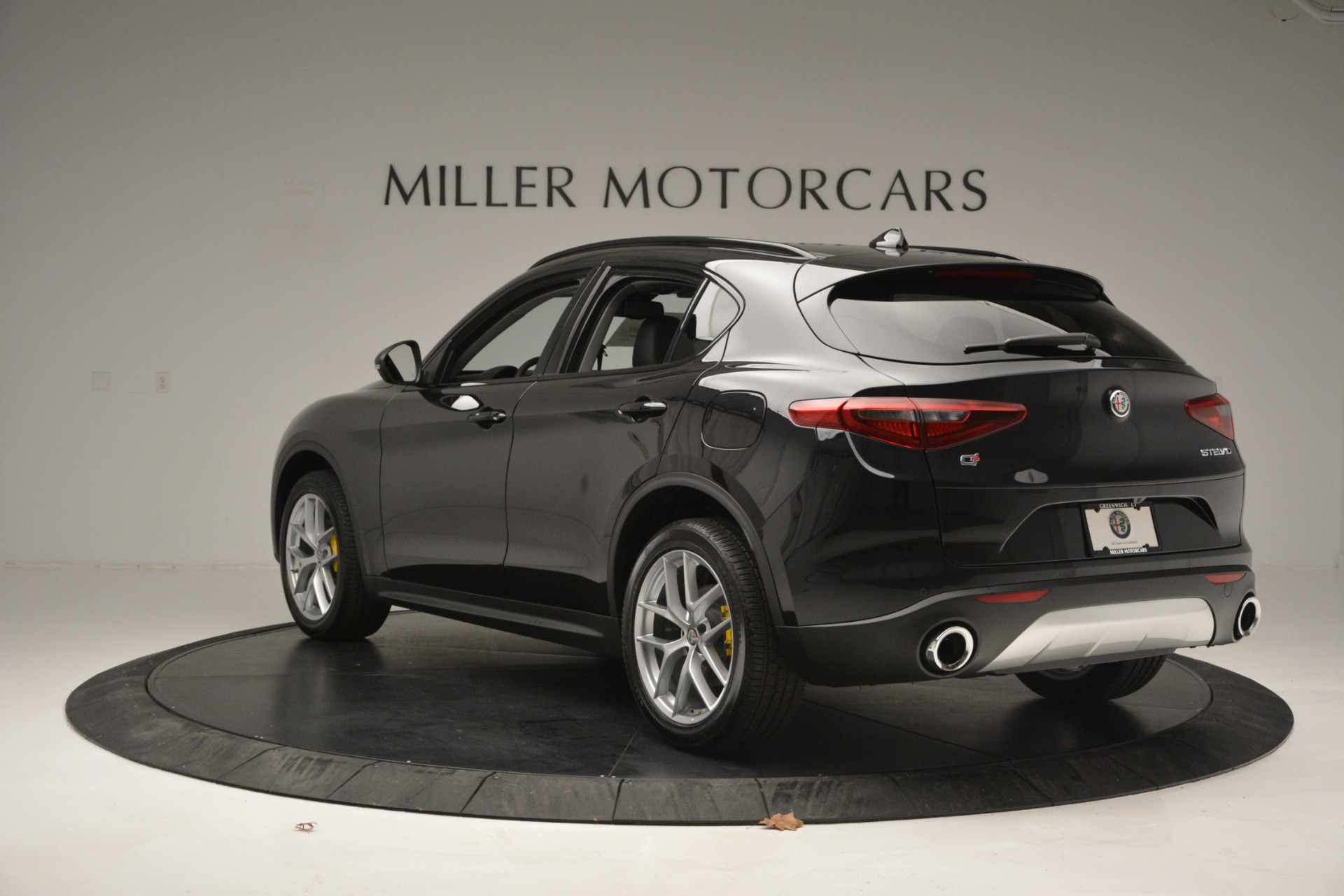 New 2019 Alfa Romeo Stelvio Sport Q4 For Sale In Greenwich, CT. Alfa Romeo of Greenwich, L515 2760_p5