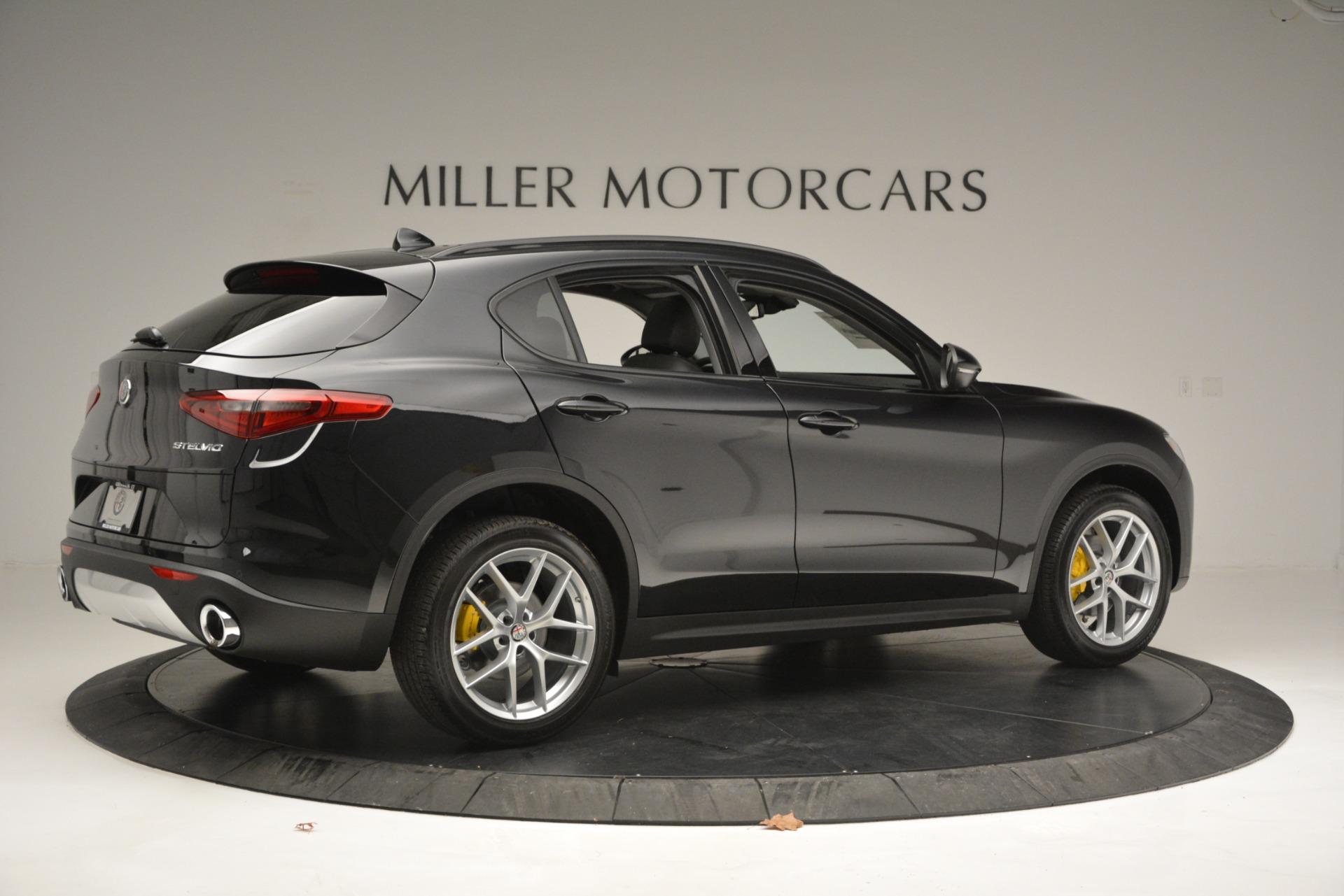 New 2019 Alfa Romeo Stelvio Sport Q4 For Sale In Greenwich, CT. Alfa Romeo of Greenwich, L515 2760_p8