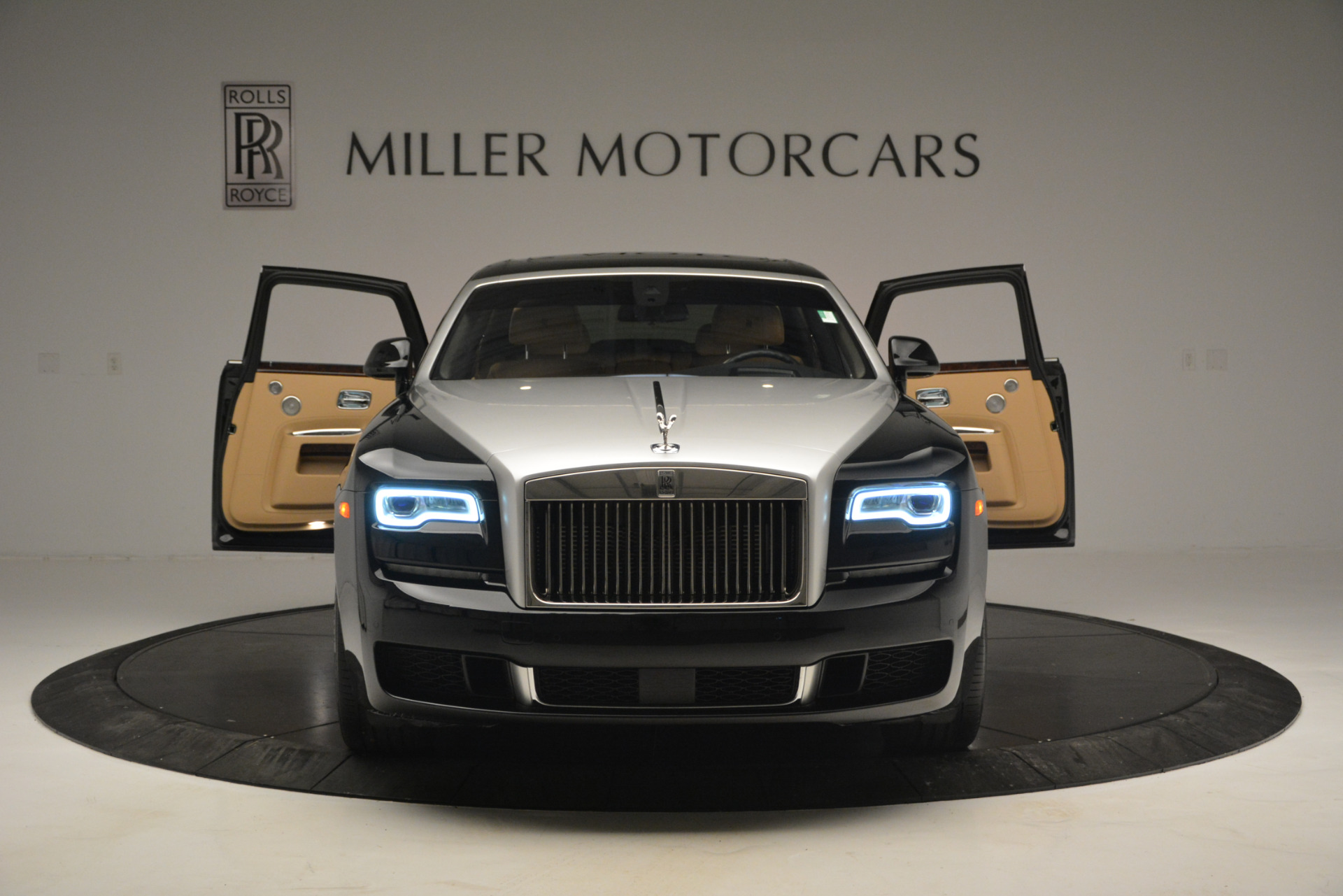 Used 2018 Rolls-Royce Ghost  For Sale In Greenwich, CT. Alfa Romeo of Greenwich, R481A 2770_p12