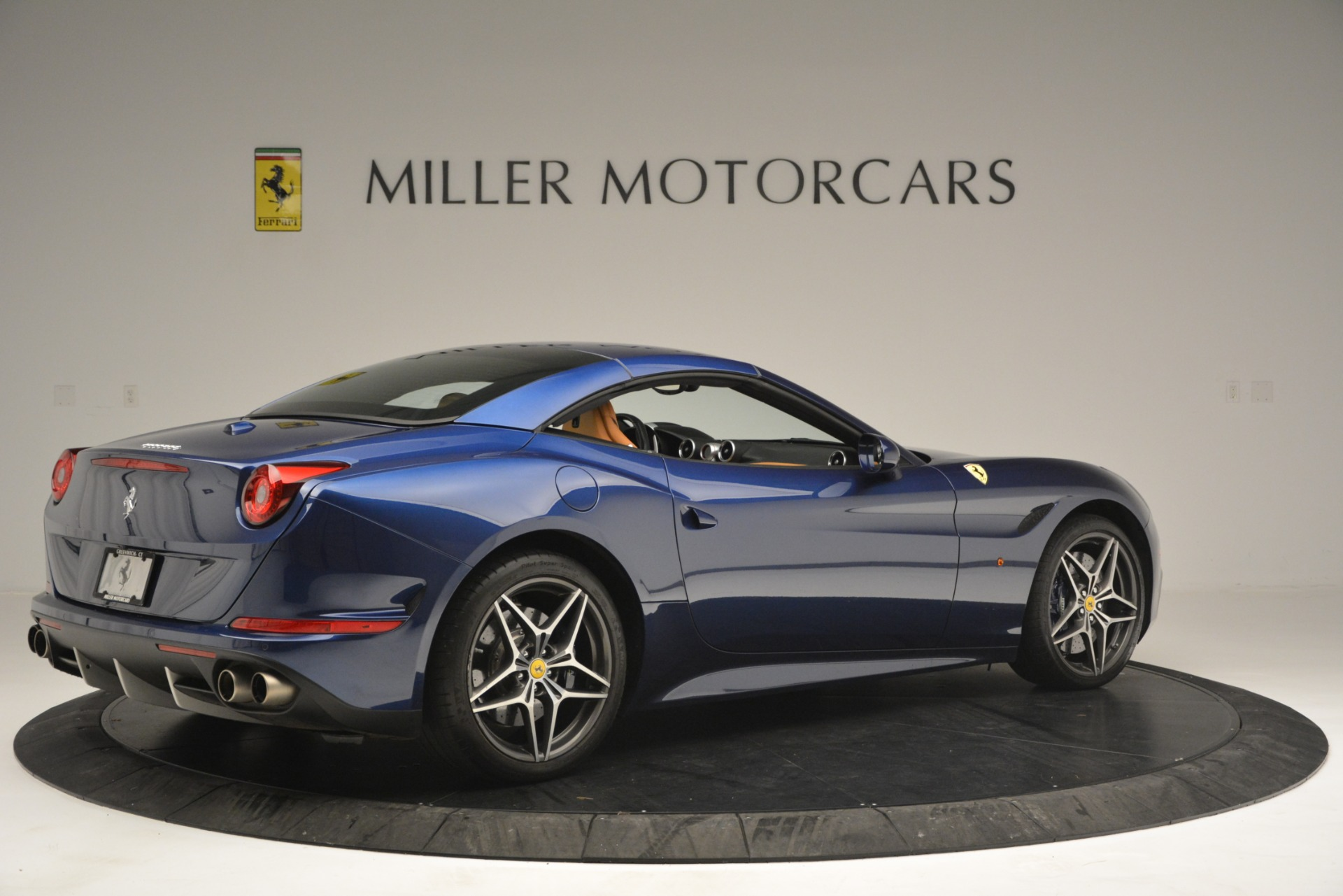 Used 2016 Ferrari California T  For Sale In Greenwich, CT. Alfa Romeo of Greenwich, 4521 2773_p20
