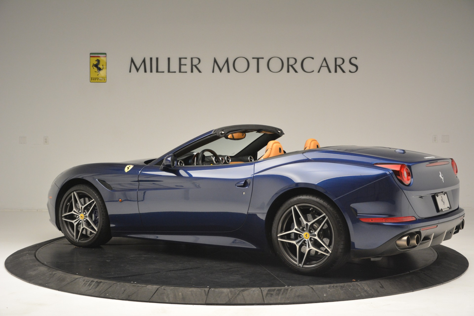 Used 2016 Ferrari California T  For Sale In Greenwich, CT. Alfa Romeo of Greenwich, 4615 2773_p4