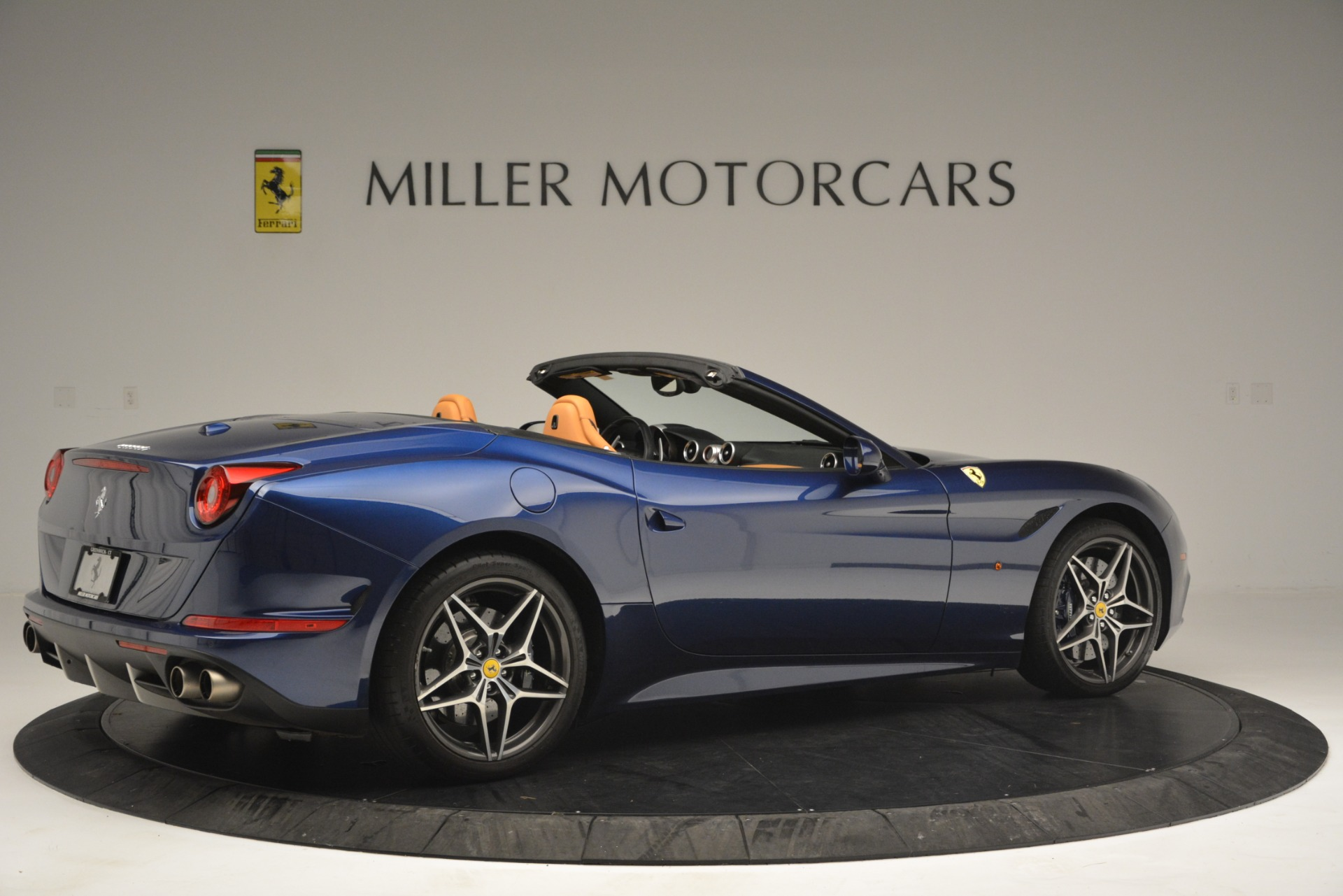 Used 2016 Ferrari California T  For Sale In Greenwich, CT. Alfa Romeo of Greenwich, 4615 2773_p8