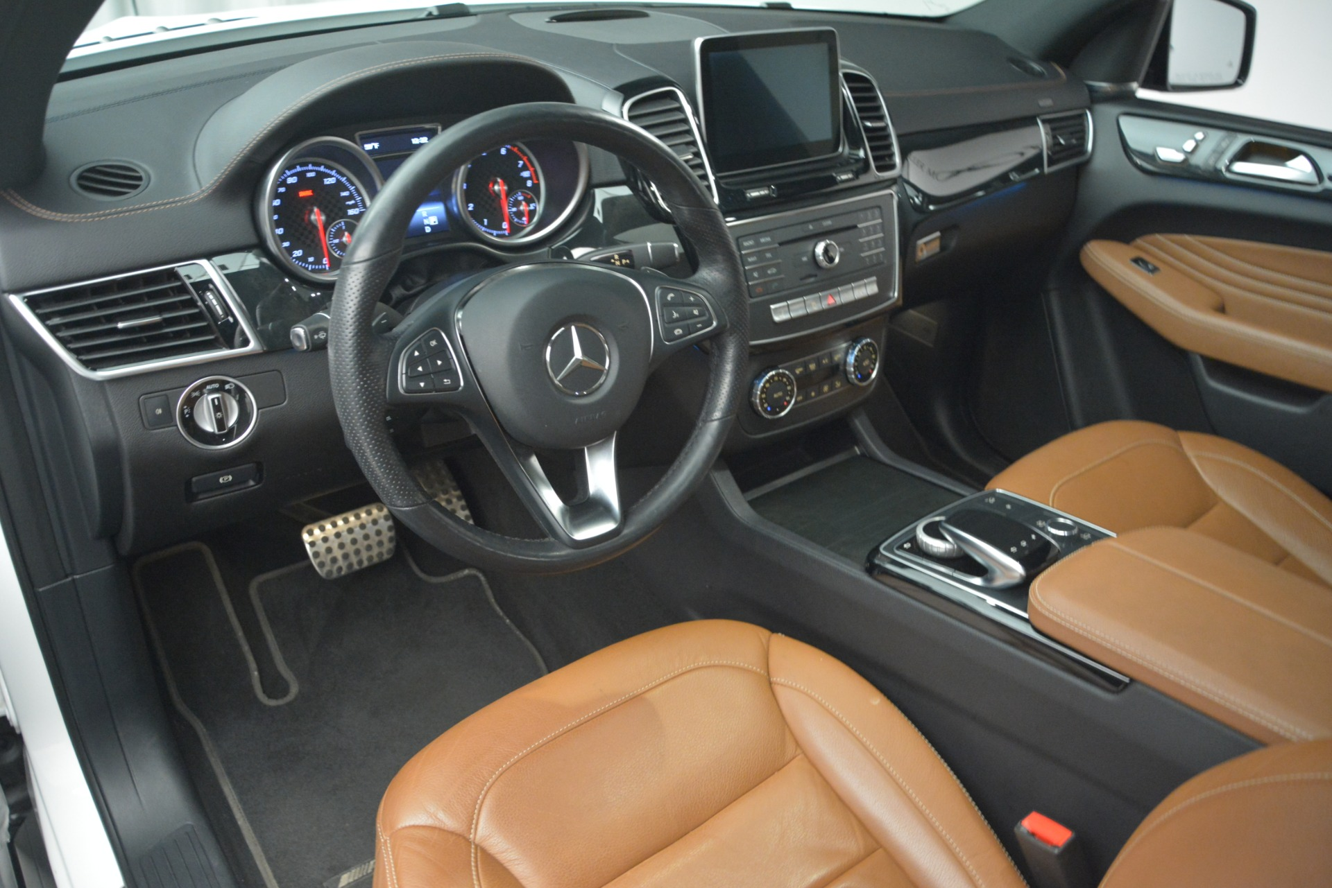 Used 2016 Mercedes-Benz GLE 450 AMG Coupe 4MATIC For Sale In Greenwich, CT. Alfa Romeo of Greenwich, W655A 2787_p13