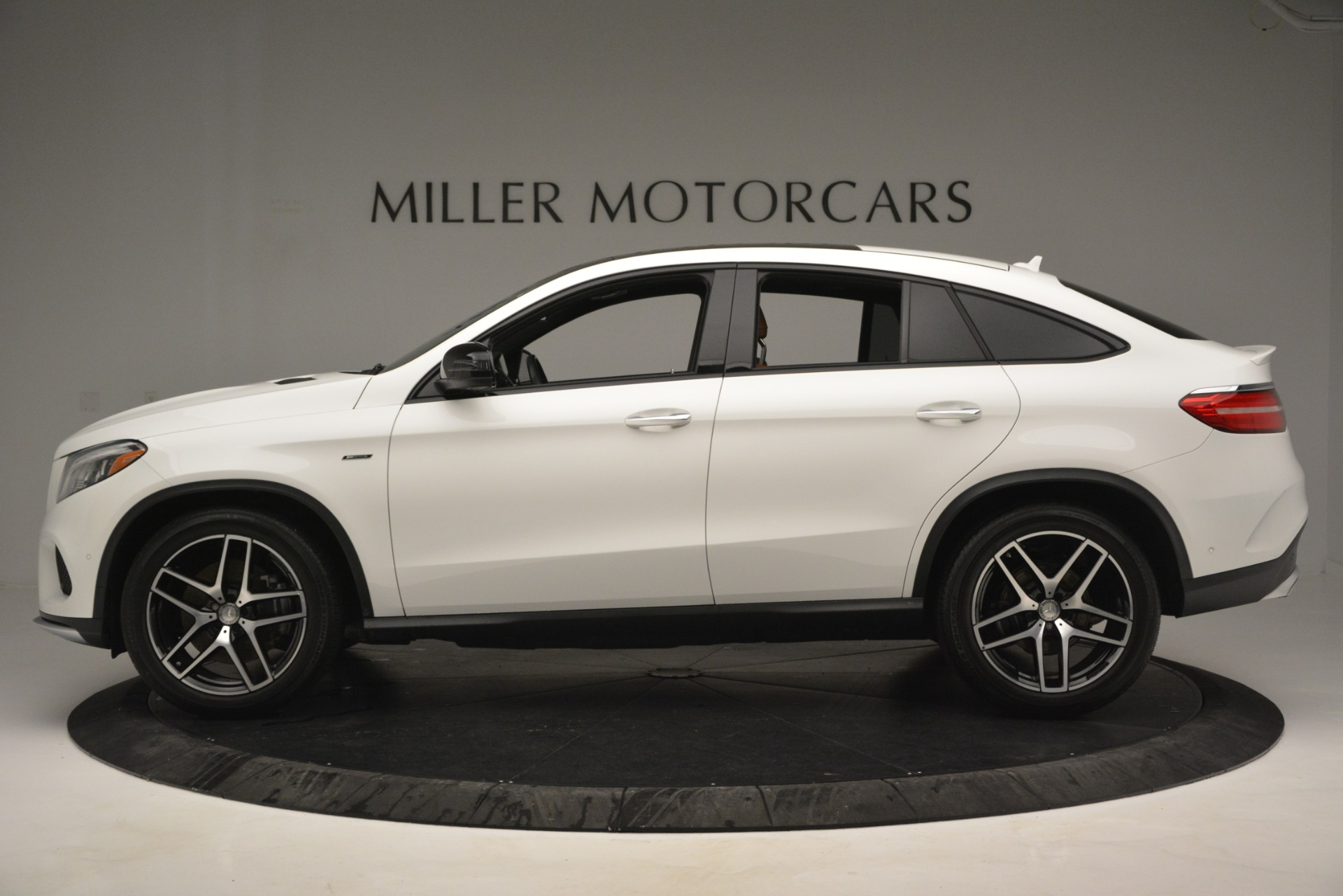 Used 2016 Mercedes-Benz GLE 450 AMG Coupe 4MATIC For Sale In Greenwich, CT. Alfa Romeo of Greenwich, W655A 2787_p3