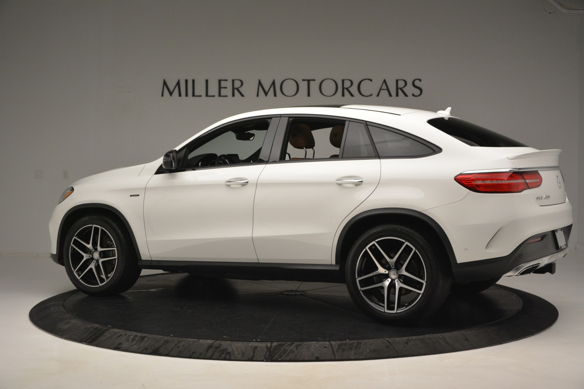 Used 2016 Mercedes-Benz GLE 450 AMG Coupe 4MATIC For Sale In Greenwich, CT. Alfa Romeo of Greenwich, W655A 2787_p4
