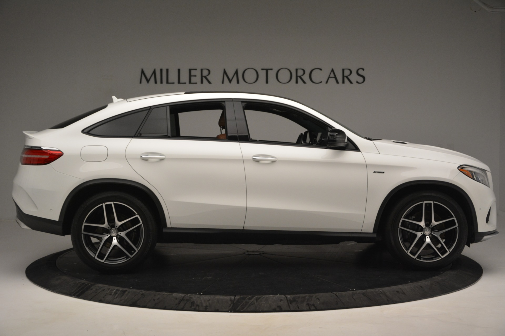 Used 2016 Mercedes-Benz GLE 450 AMG Coupe 4MATIC For Sale In Greenwich, CT. Alfa Romeo of Greenwich, W655A 2787_p9
