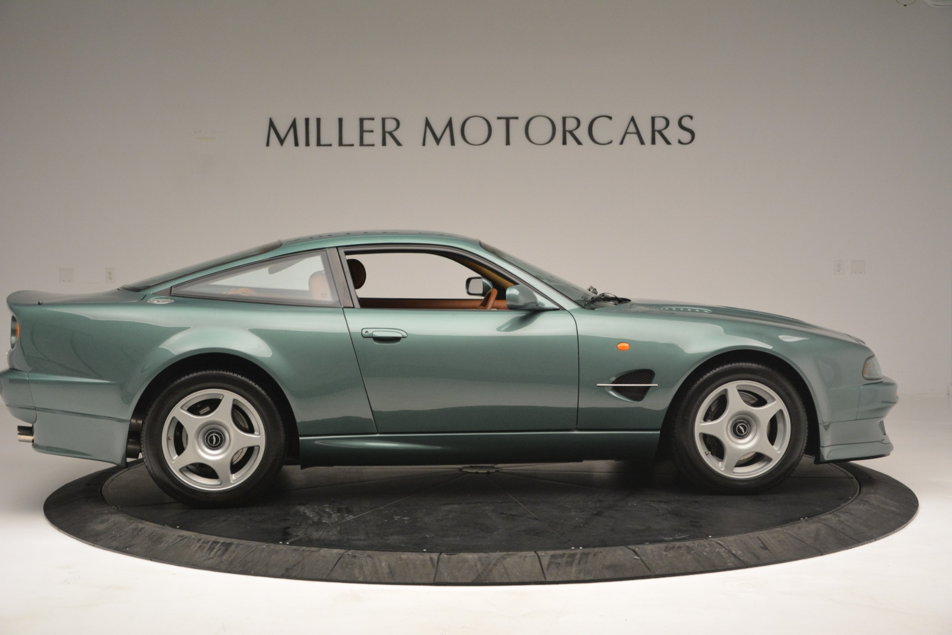 Used 1999 Aston Martin V8 Vantage Le Mans V600 Coupe For Sale In Greenwich, CT. Alfa Romeo of Greenwich, 7449C 2789_p10