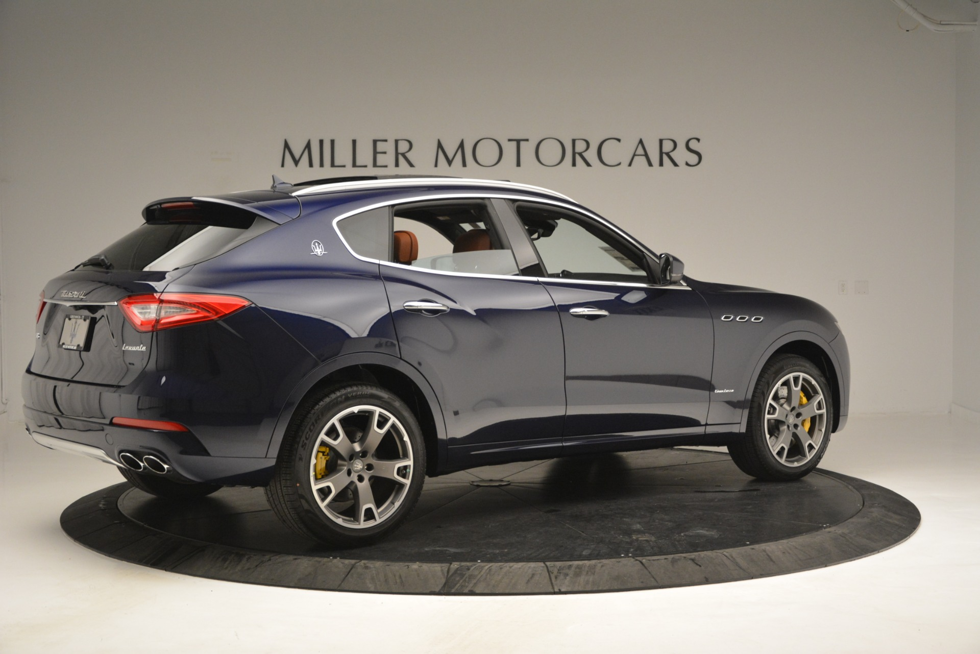New 2019 Maserati Levante S Q4 GranLusso For Sale In Greenwich, CT. Alfa Romeo of Greenwich, M2241 2791_p10