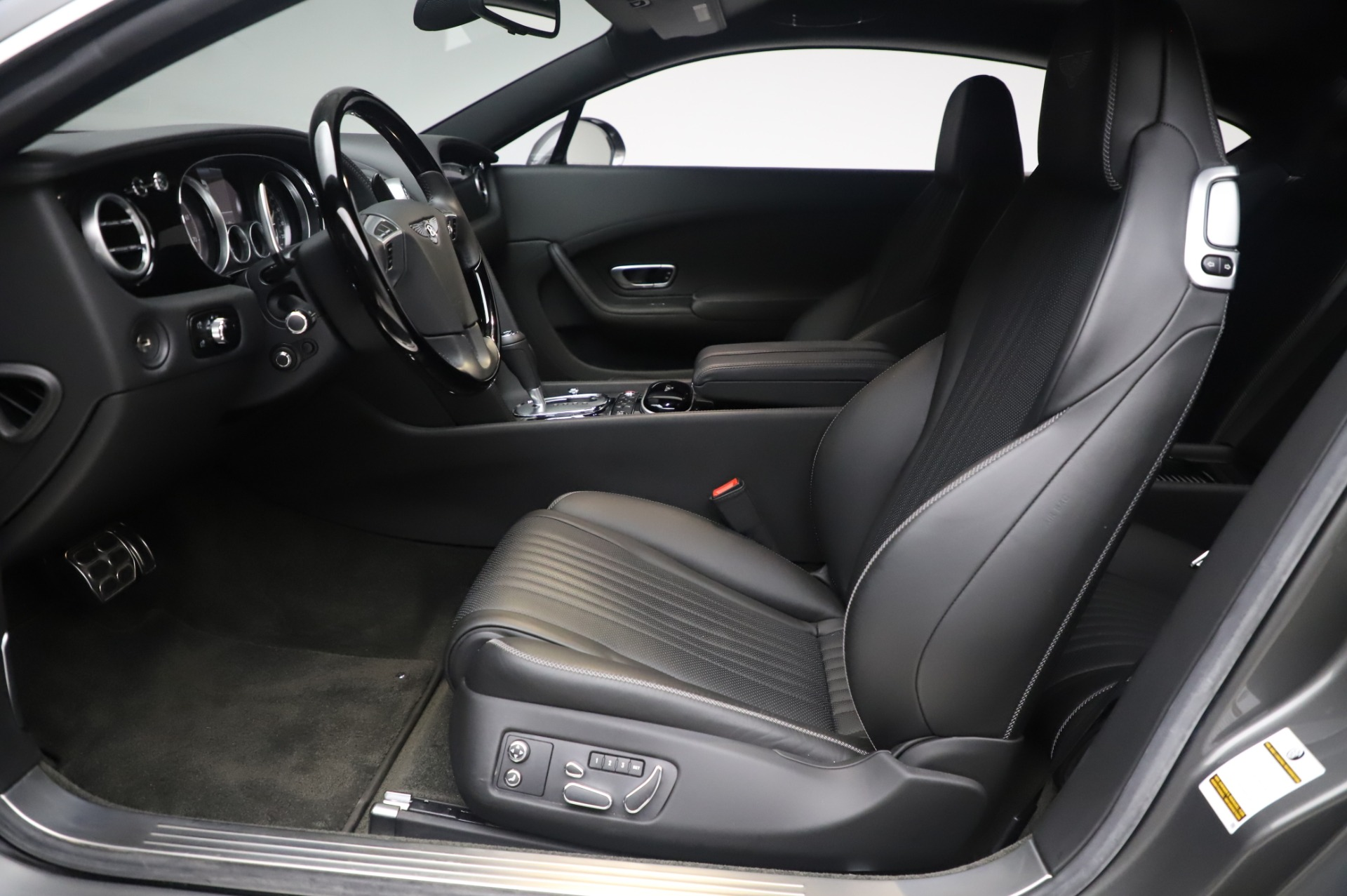 Used 2016 Bentley Continental GT W12 For Sale In Greenwich, CT. Alfa Romeo of Greenwich, 6997 28_p14