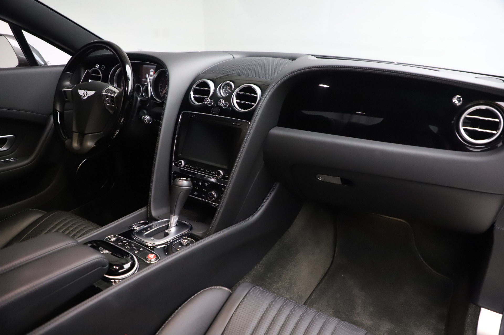 Used 2016 Bentley Continental GT W12 For Sale In Greenwich, CT. Alfa Romeo of Greenwich, 6997 28_p18