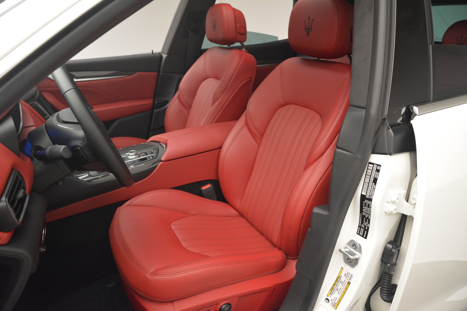 New 2019 Maserati Levante Q4 For Sale In Greenwich, CT. Alfa Romeo of Greenwich, M2234 2802_p13