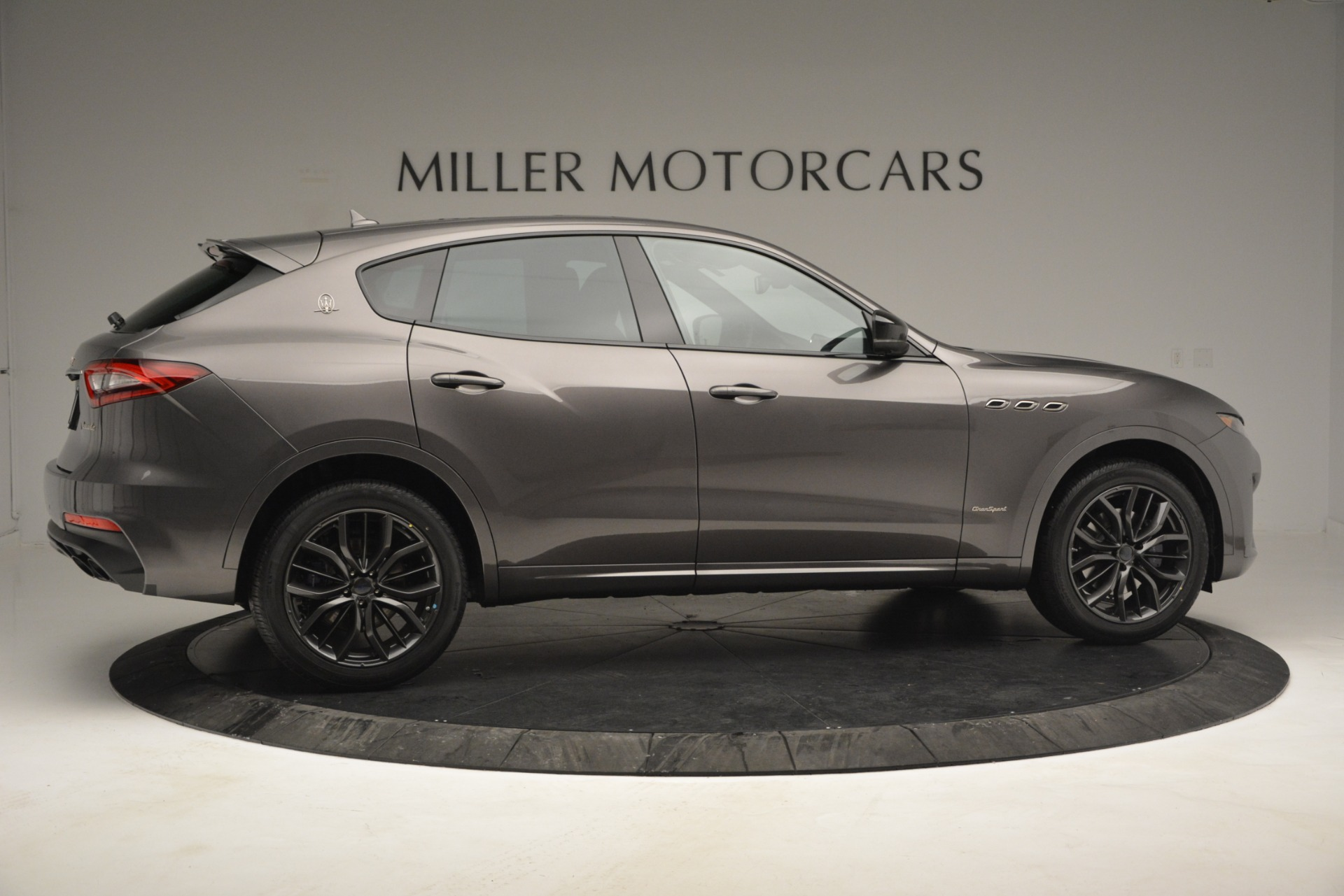 New 2019 Maserati Levante Q4 GranSport For Sale In Greenwich, CT. Alfa Romeo of Greenwich, M2248 2807_p14