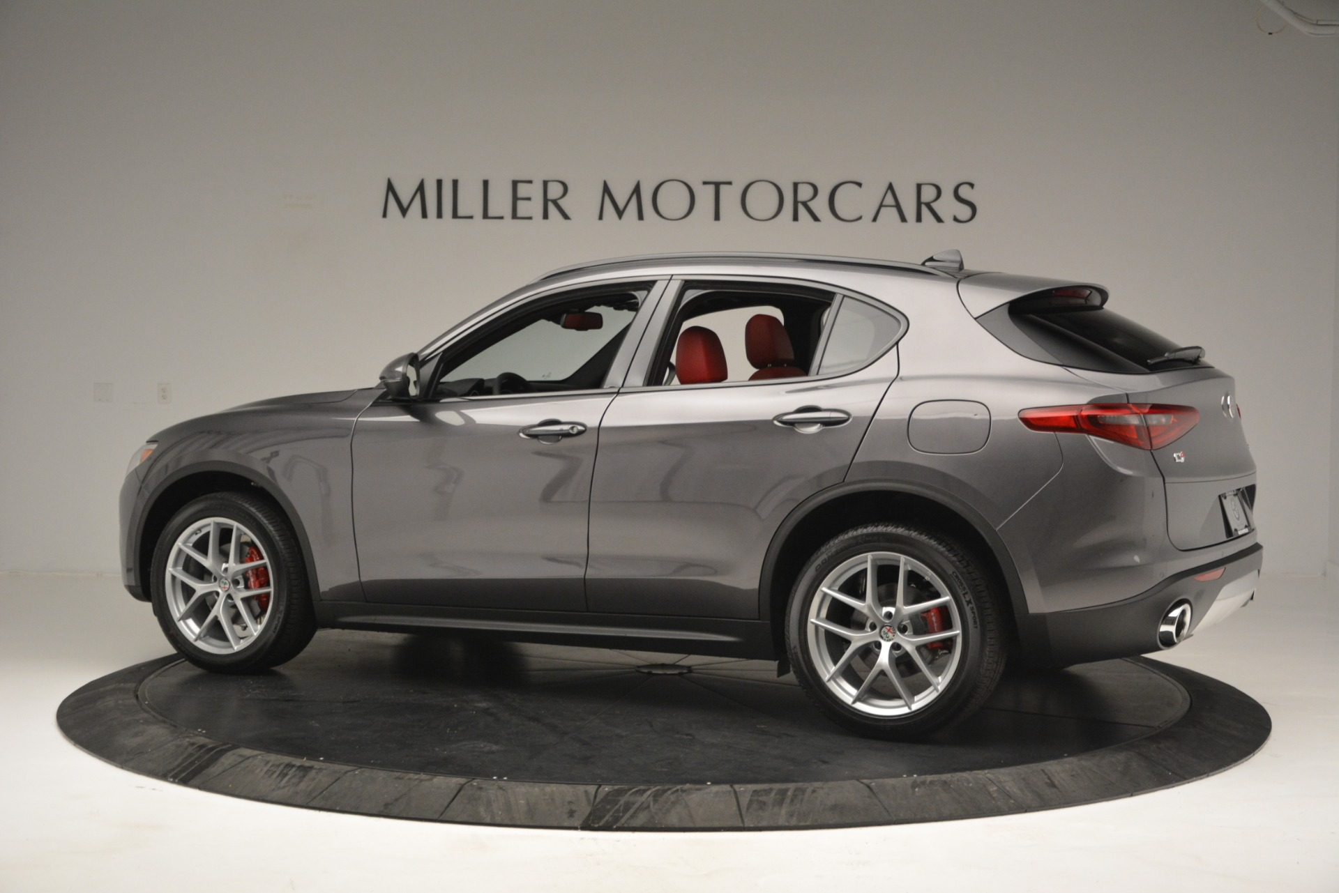New 2019 Alfa Romeo Stelvio Sport Q4 For Sale In Greenwich, CT. Alfa Romeo of Greenwich, L518 2809_p4