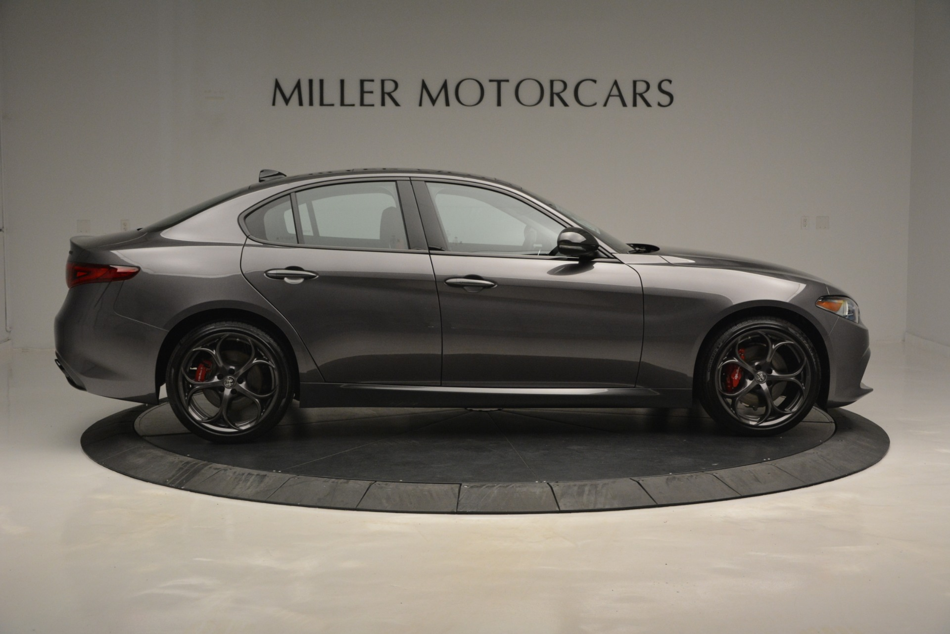 New 2019 Alfa Romeo Giulia Ti Sport Q4 For Sale In Greenwich, CT. Alfa Romeo of Greenwich, LW285 2824_p9