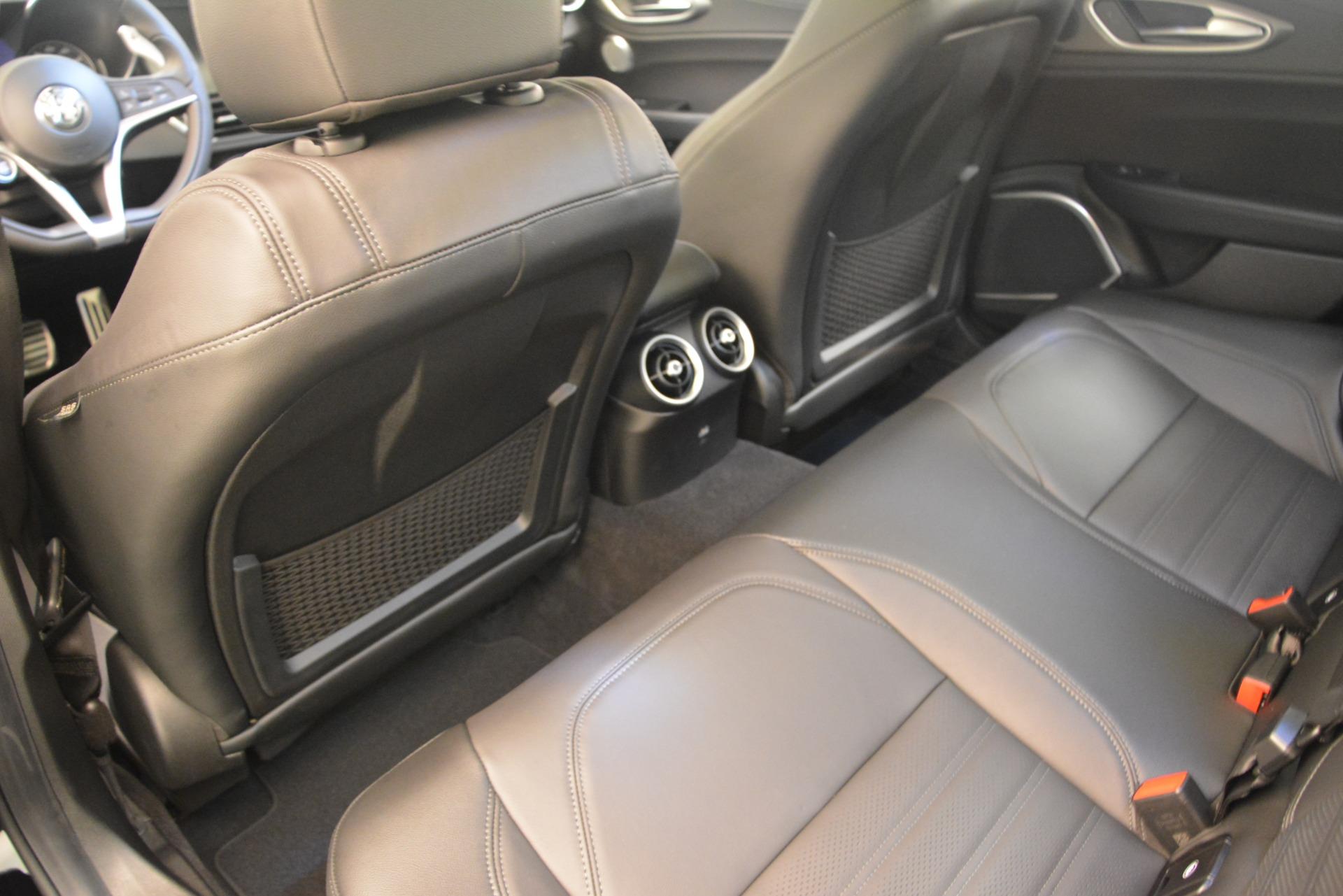 New 2019 Alfa Romeo Giulia Ti Sport Q4 For Sale In Greenwich, CT. Alfa Romeo of Greenwich, LW286 2825_p16