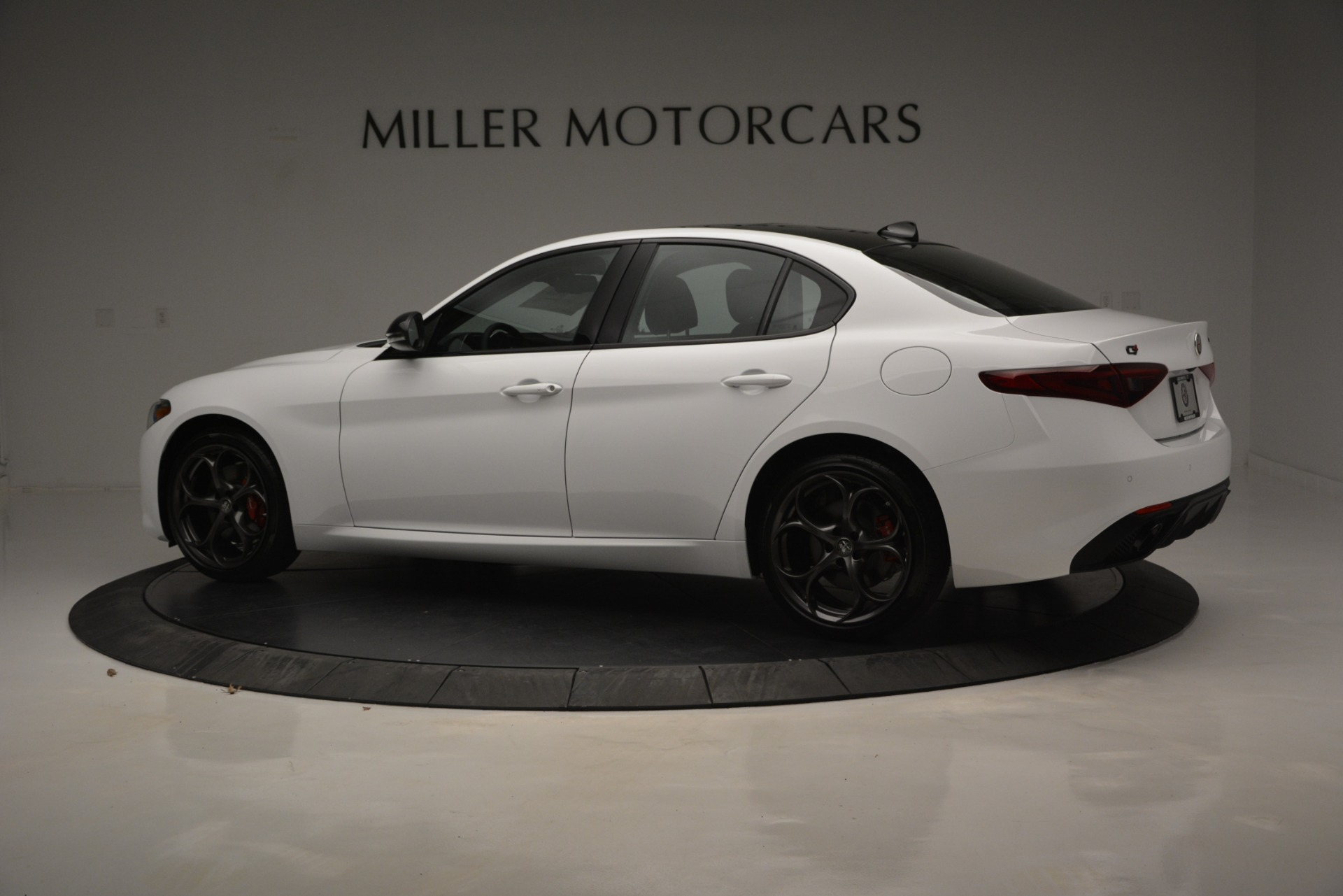 New 2019 Alfa Romeo Giulia Ti Sport Q4 For Sale In Greenwich, CT. Alfa Romeo of Greenwich, LW287 2826_p5
