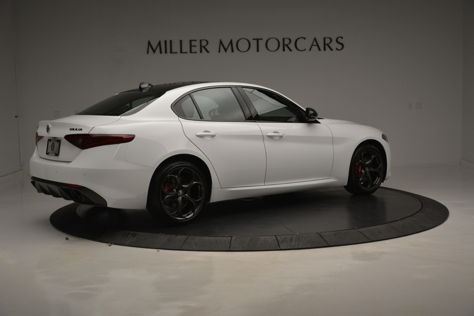 New 2019 Alfa Romeo Giulia Ti Sport Q4 For Sale In Greenwich, CT. Alfa Romeo of Greenwich, LW287 2826_p9