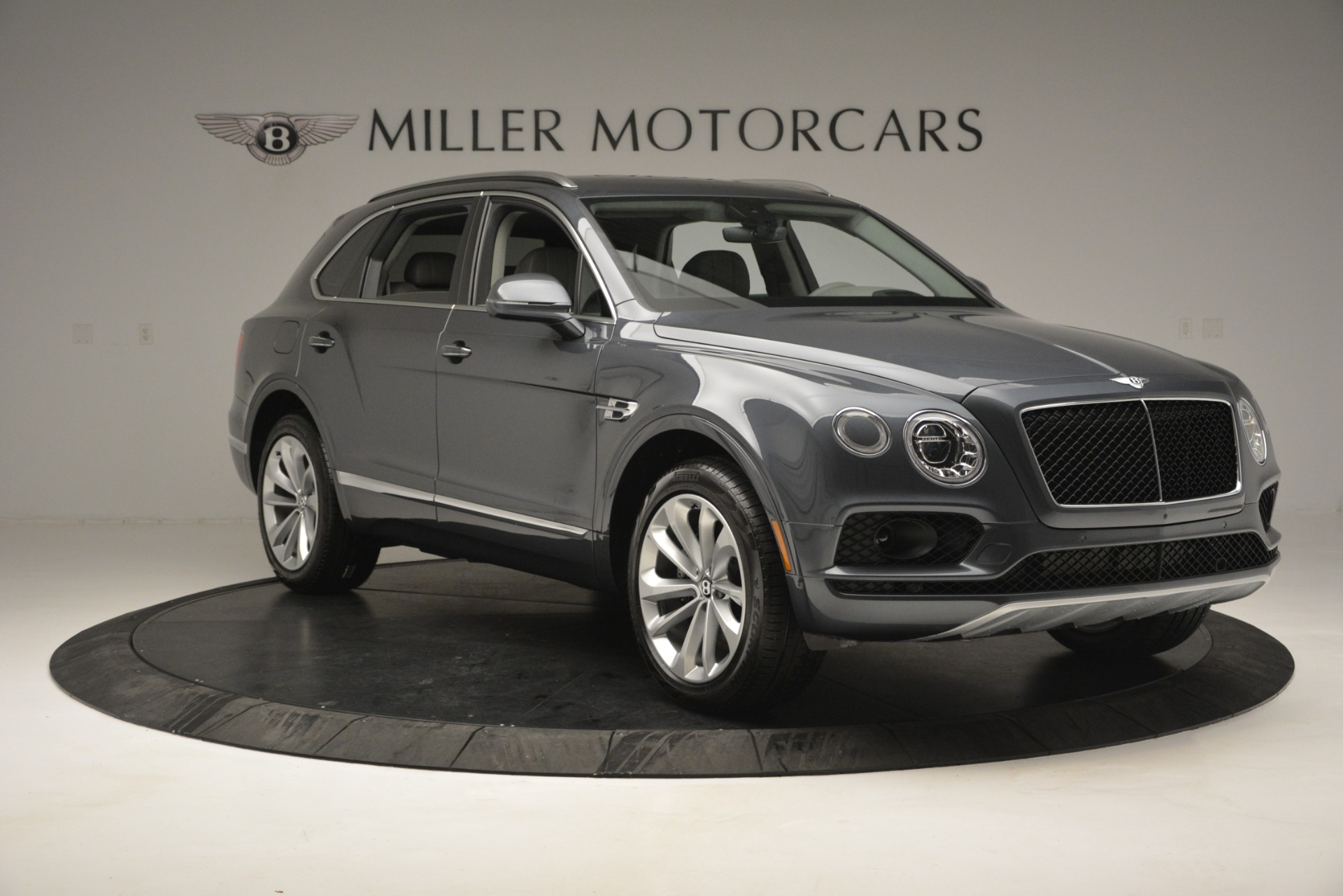 Used 2019 Bentley Bentayga V8 For Sale In Greenwich, CT. Alfa Romeo of Greenwich, B1375 2828_p11