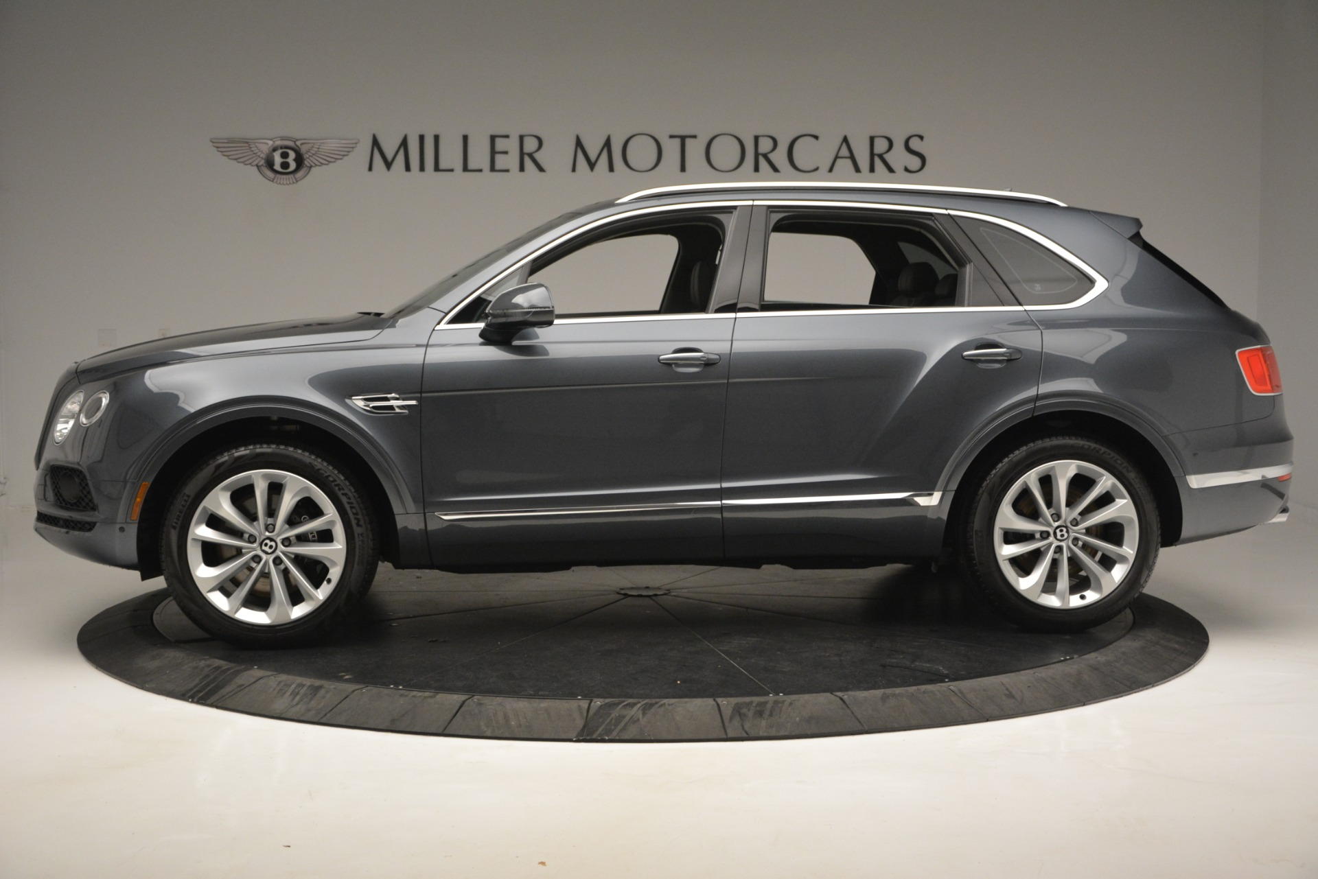 Used 2019 Bentley Bentayga V8 For Sale In Greenwich, CT. Alfa Romeo of Greenwich, B1375 2828_p3