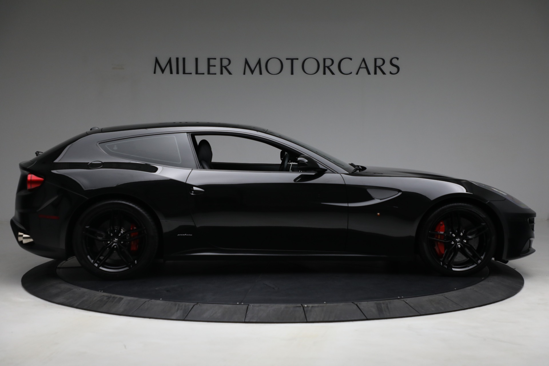 Used 2014 Ferrari FF  For Sale In Greenwich, CT. Alfa Romeo of Greenwich, 4527 2830_p9