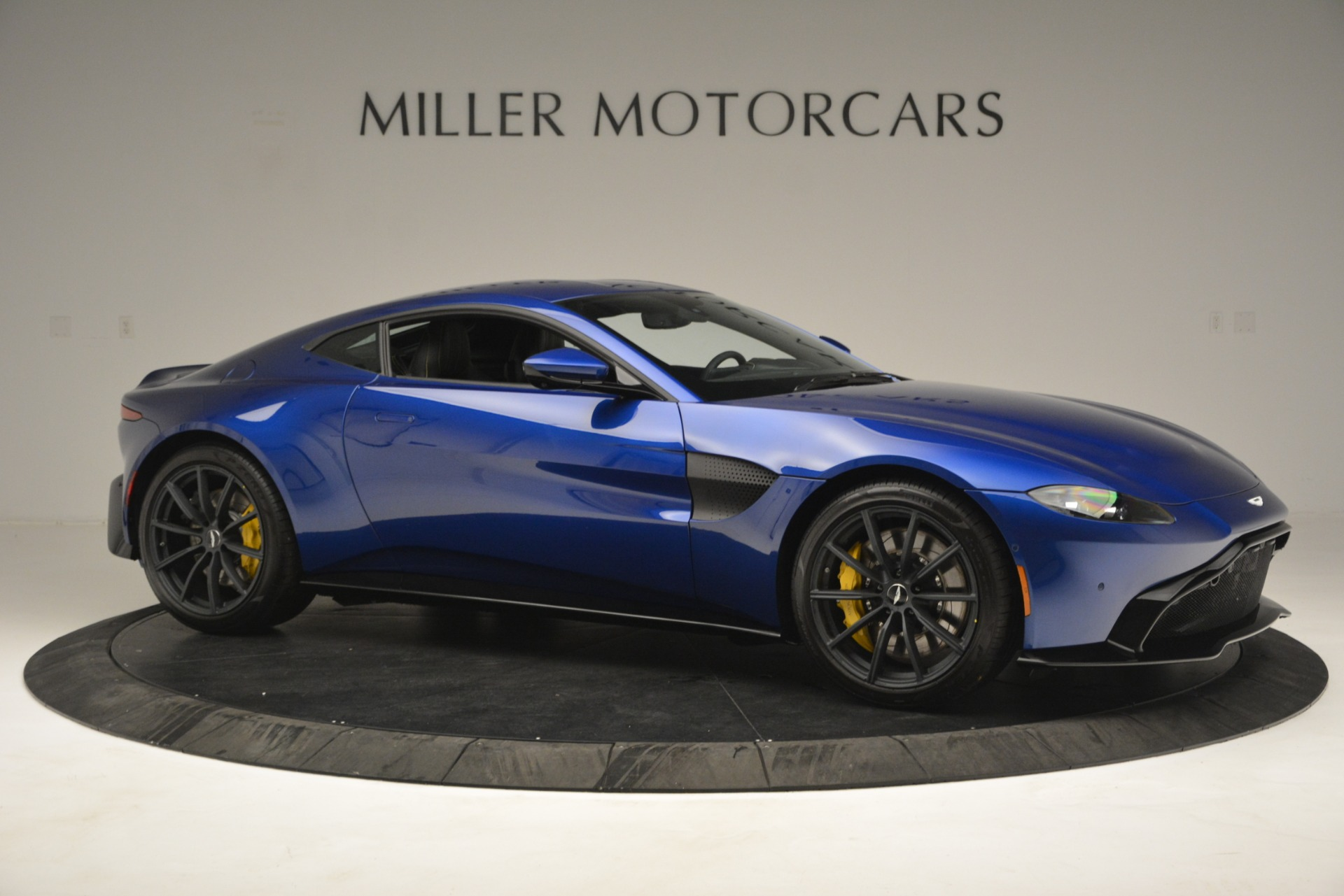New 2019 Aston Martin Vantage  For Sale In Greenwich, CT. Alfa Romeo of Greenwich, A1340 2831_p10