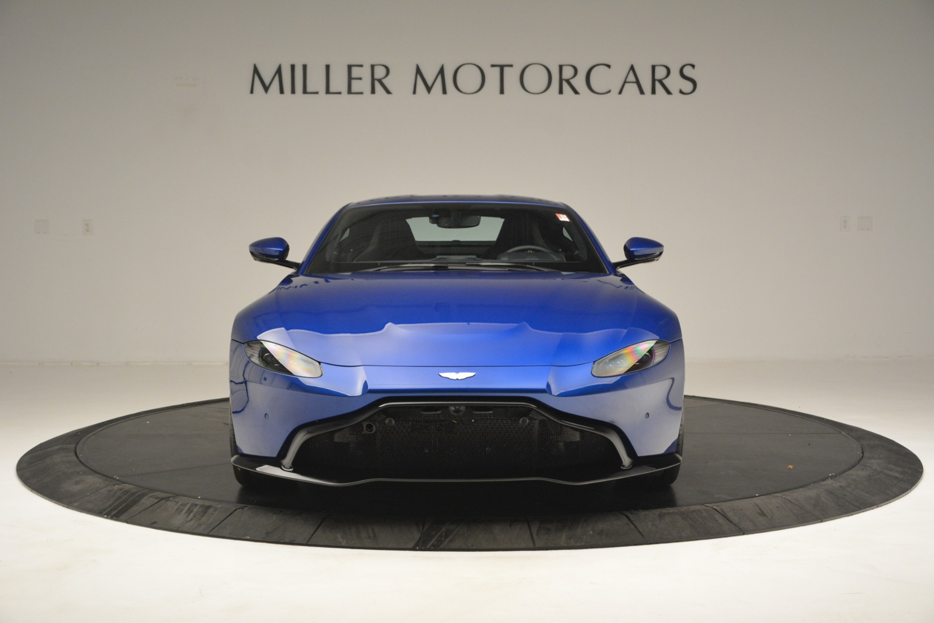 New 2019 Aston Martin Vantage  For Sale In Greenwich, CT. Alfa Romeo of Greenwich, A1340 2831_p12