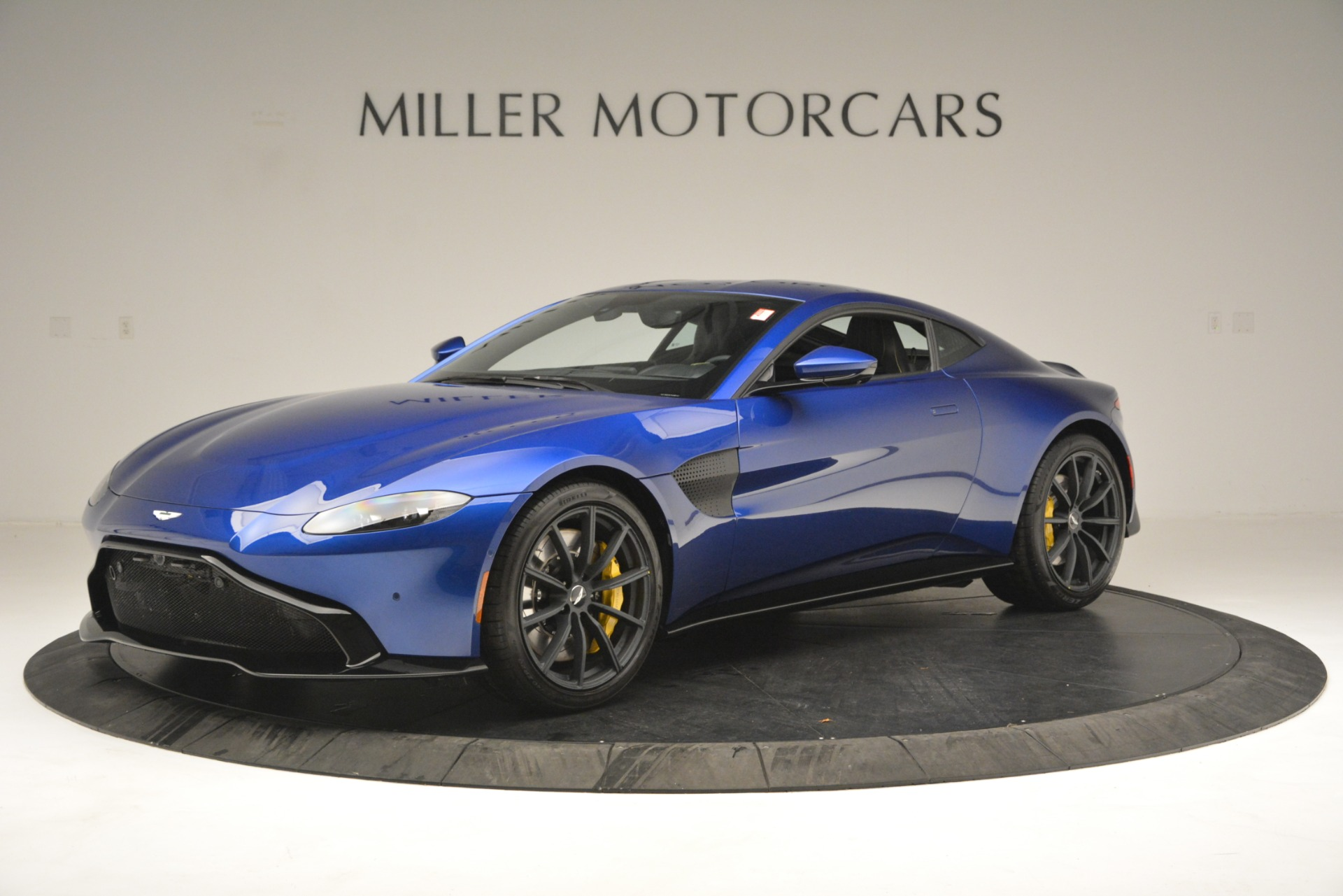 New 2019 Aston Martin Vantage  For Sale In Greenwich, CT. Alfa Romeo of Greenwich, A1340 2831_p2