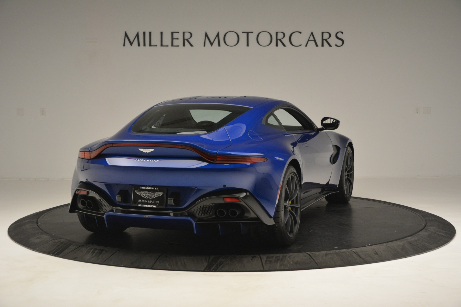 New 2019 Aston Martin Vantage  For Sale In Greenwich, CT. Alfa Romeo of Greenwich, A1340 2831_p7