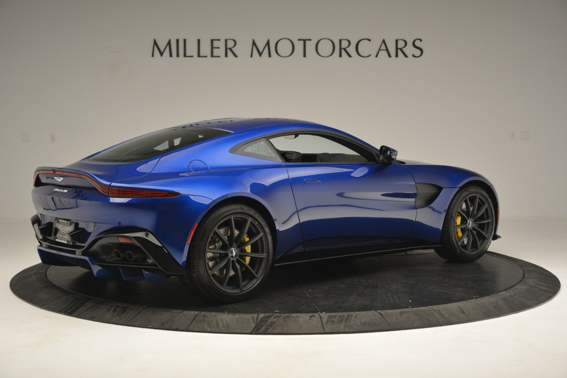 New 2019 Aston Martin Vantage  For Sale In Greenwich, CT. Alfa Romeo of Greenwich, A1340 2831_p8