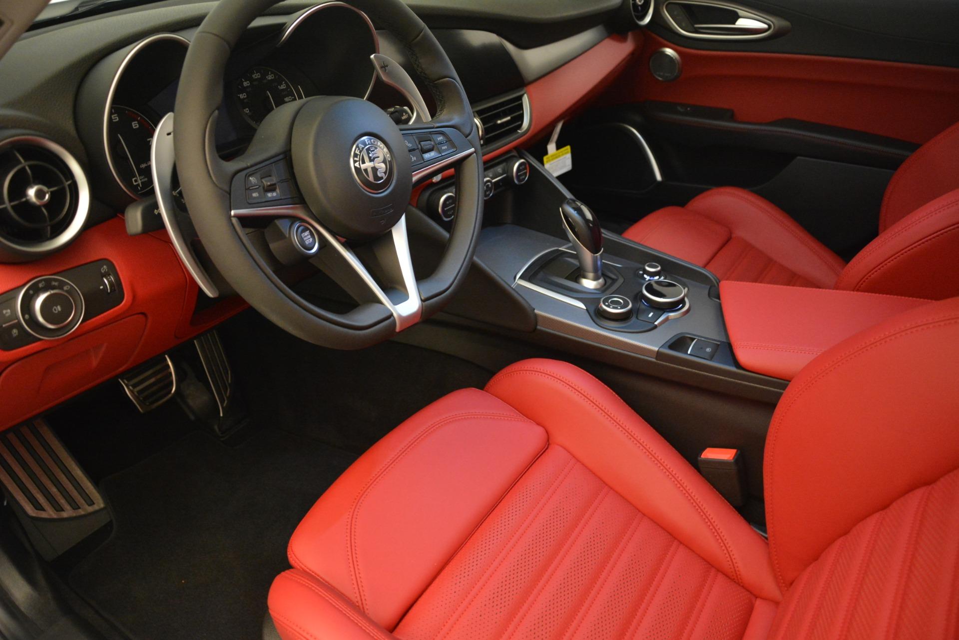 New 2019 Alfa Romeo Giulia Ti Sport Q4 For Sale In Greenwich, CT. Alfa Romeo of Greenwich, L541 2834_p13