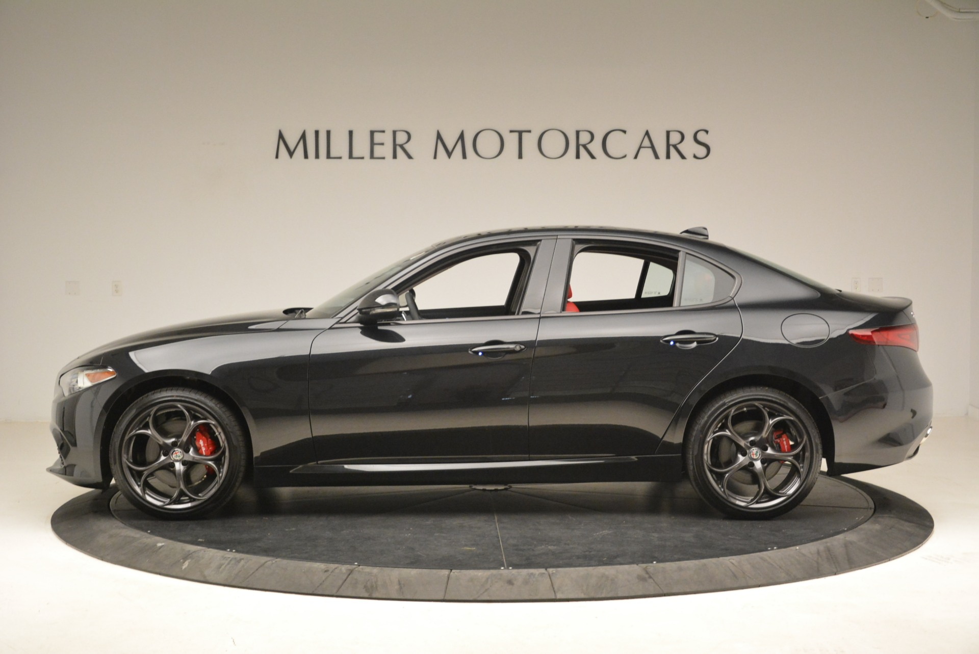 New 2019 Alfa Romeo Giulia Ti Sport Q4 For Sale In Greenwich, CT. Alfa Romeo of Greenwich, L542 2836_p3