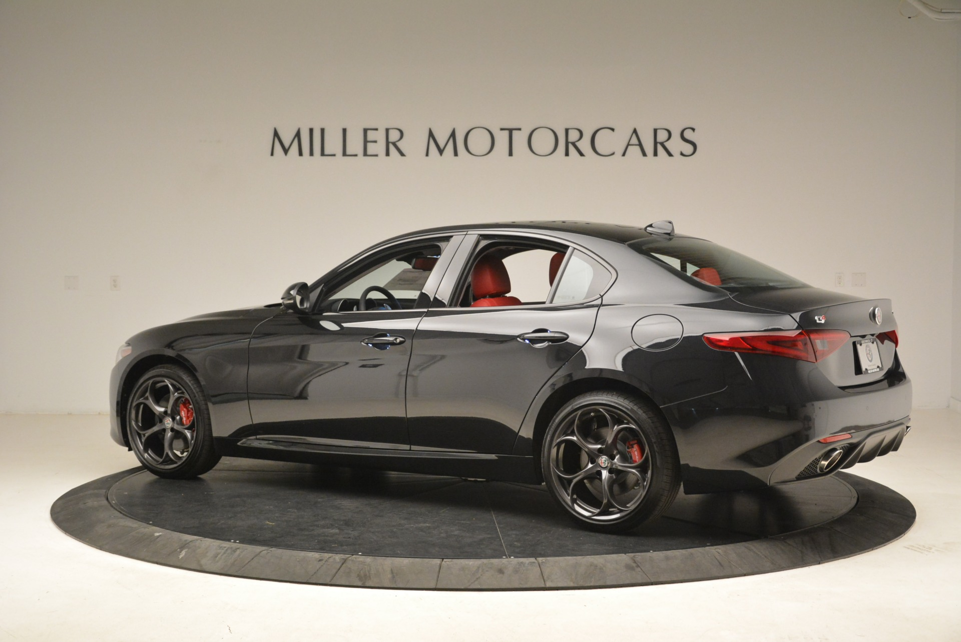 New 2019 Alfa Romeo Giulia Ti Sport Q4 For Sale In Greenwich, CT. Alfa Romeo of Greenwich, L542 2836_p4