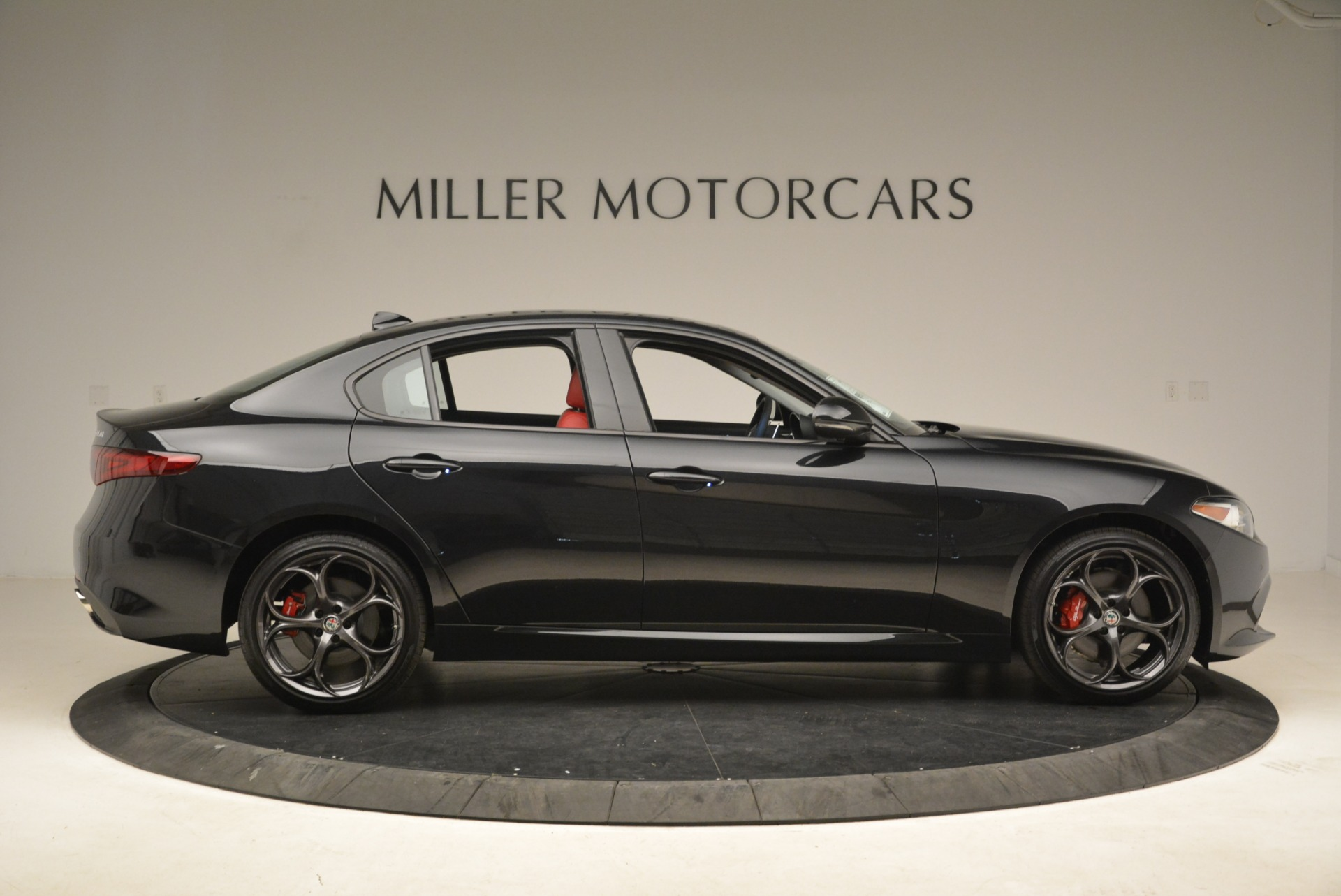 New 2019 Alfa Romeo Giulia Ti Sport Q4 For Sale In Greenwich, CT. Alfa Romeo of Greenwich, L542 2836_p9