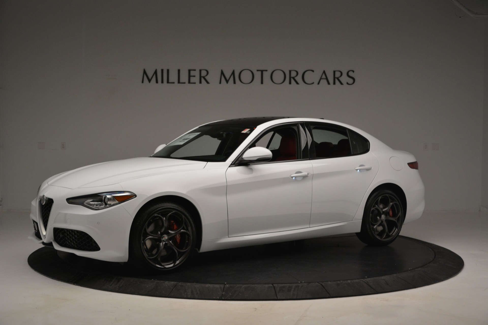 New 2019 Alfa Romeo Giulia Ti Sport Q4 For Sale In Greenwich, CT. Alfa Romeo of Greenwich, L545 2839_p2