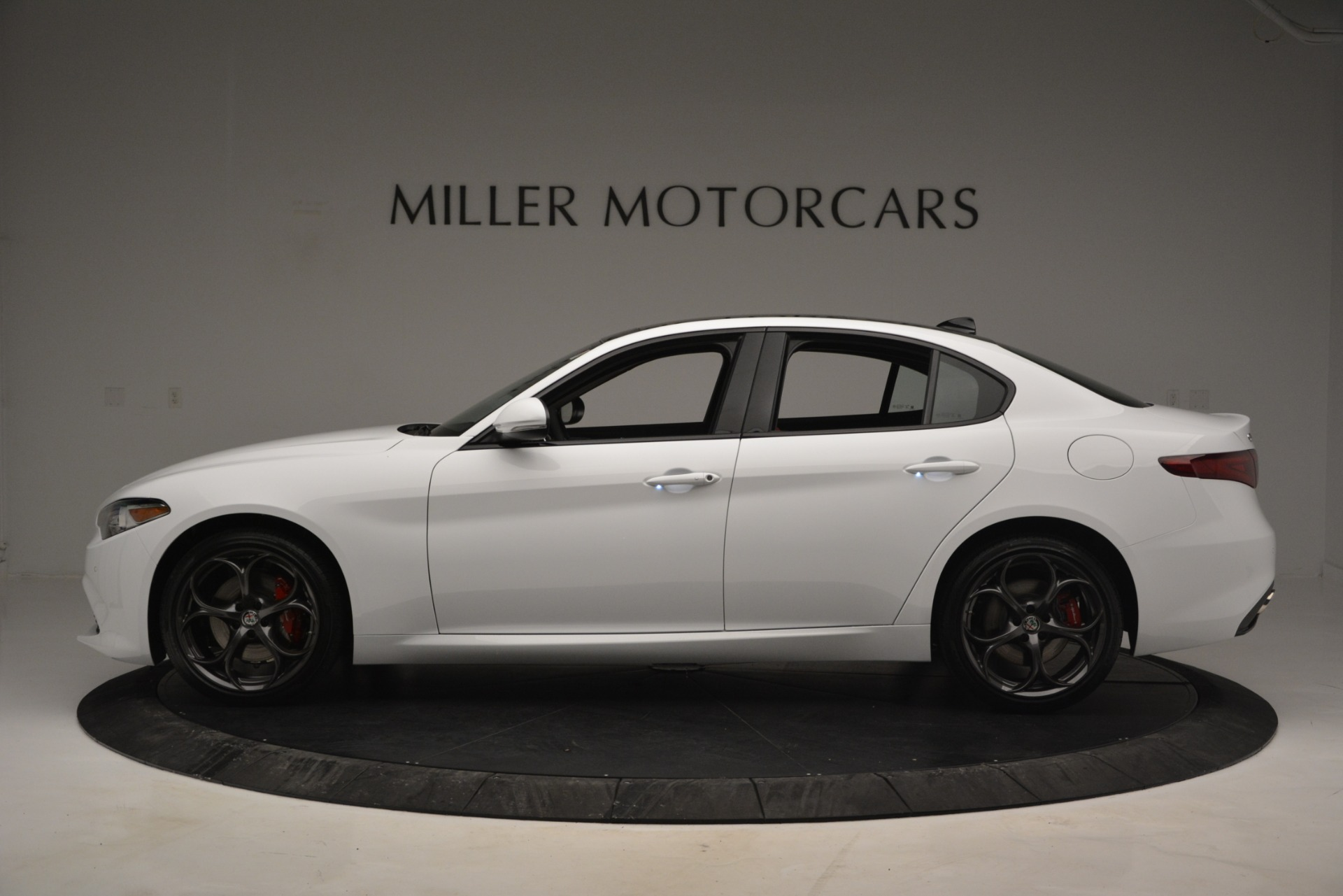 New 2019 Alfa Romeo Giulia Ti Sport Q4 For Sale In Greenwich, CT. Alfa Romeo of Greenwich, L545 2839_p3