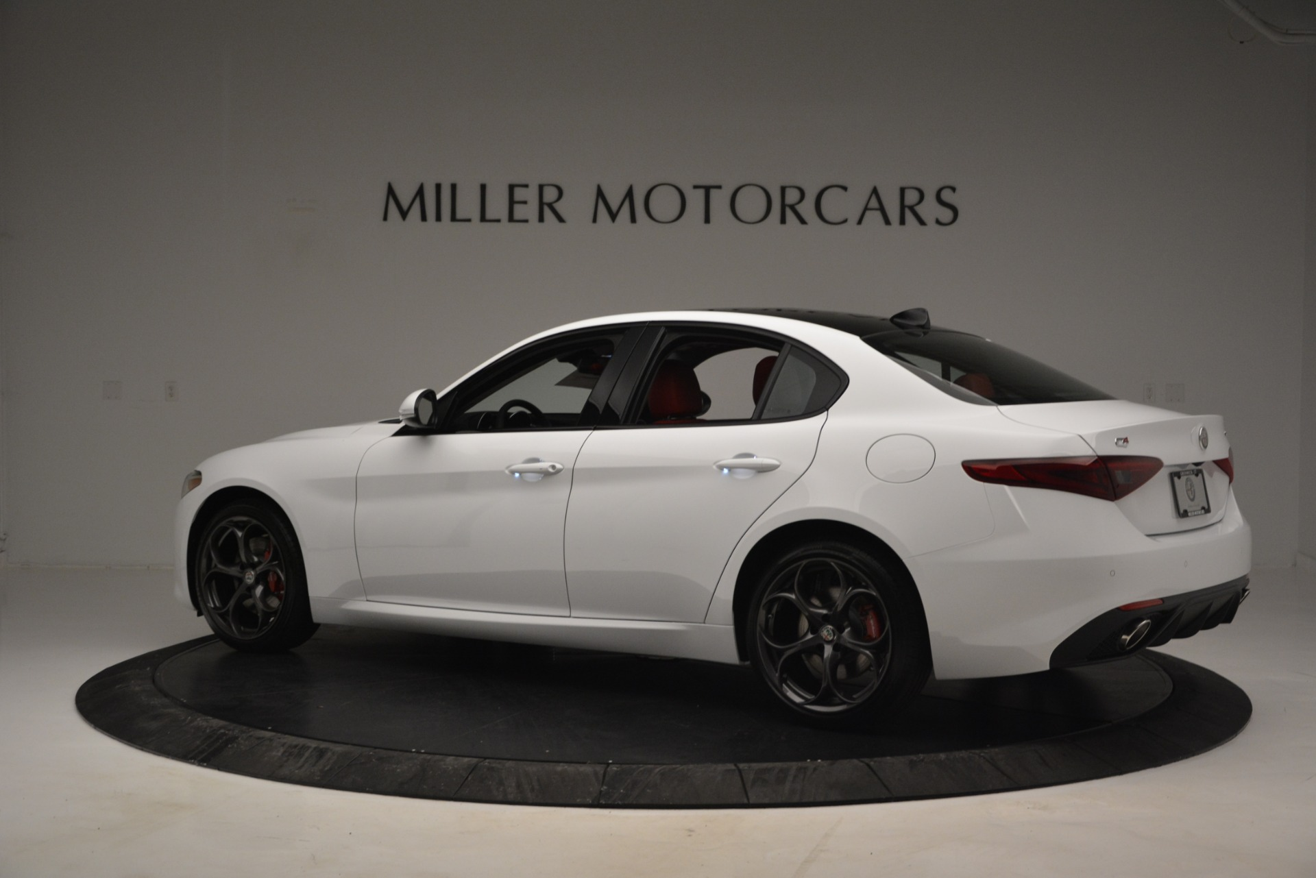 New 2019 Alfa Romeo Giulia Ti Sport Q4 For Sale In Greenwich, CT. Alfa Romeo of Greenwich, L545 2839_p4