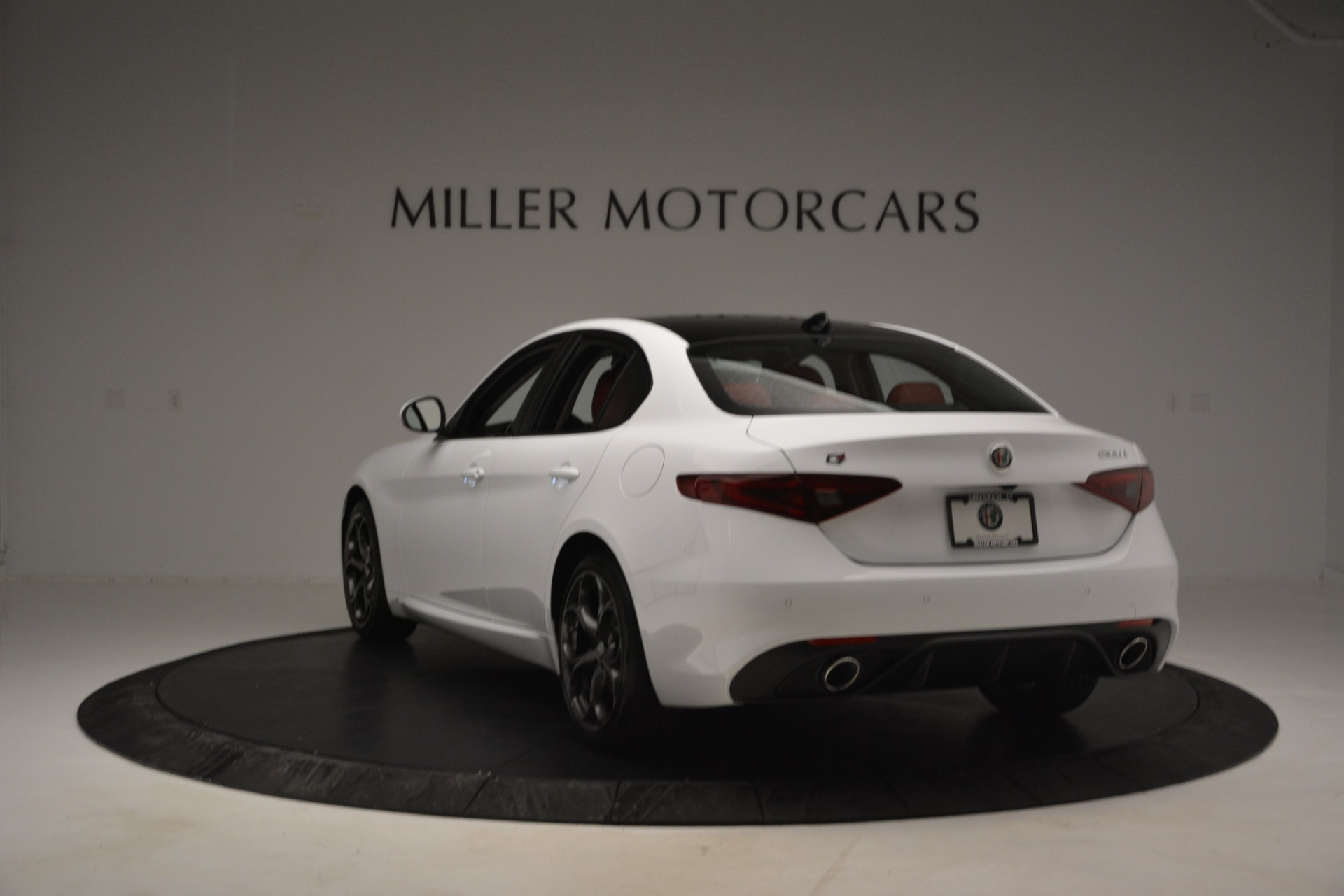 New 2019 Alfa Romeo Giulia Ti Sport Q4 For Sale In Greenwich, CT. Alfa Romeo of Greenwich, L545 2839_p5